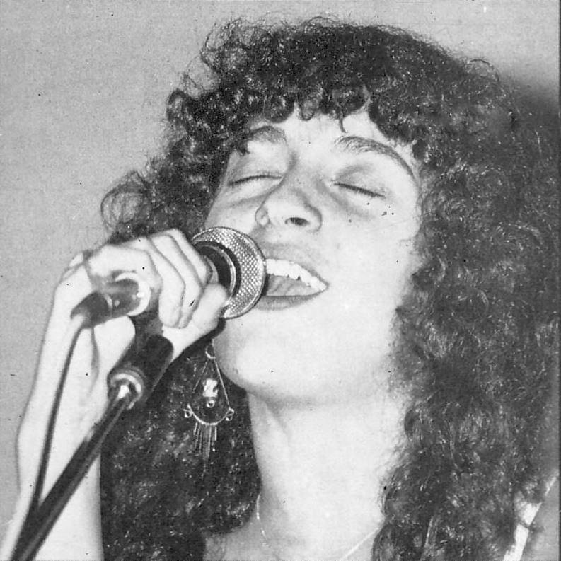 Silvina Garré en 1982. La cantante ascendió rápidamente en la escena musical argentina de los '80 con su participación en la trova rosarina.