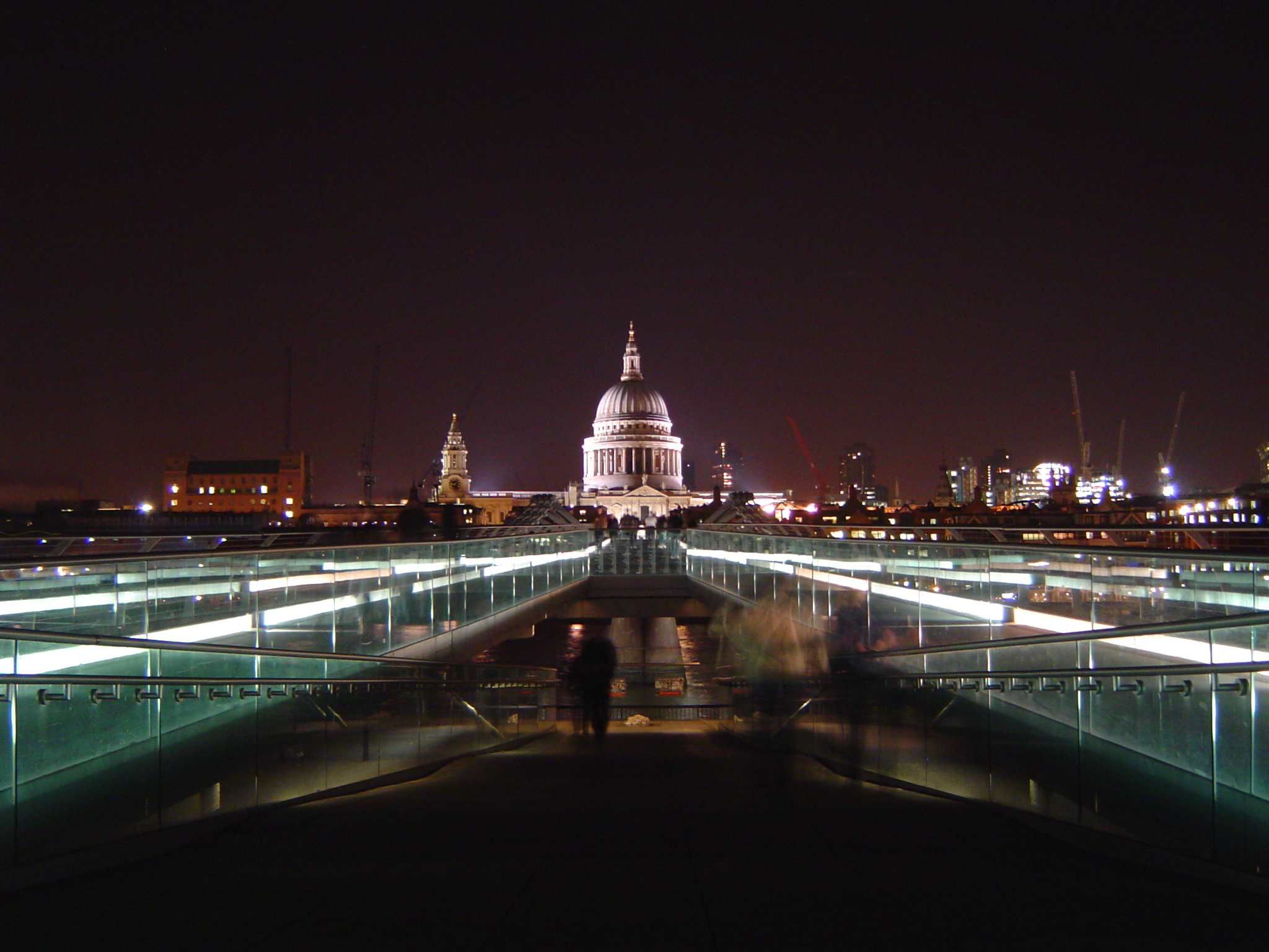St Pauls and Millennium Bridge at night.jpg