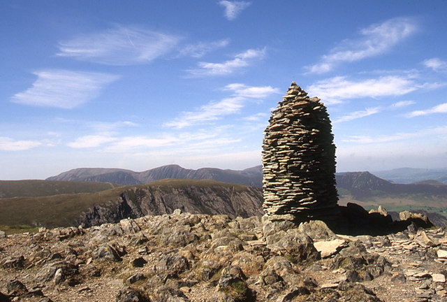 Summit cairn, Dale Head - geograph.org.uk - 900720