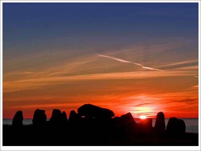 "Sunrise over ""Havängsdösen"".jpg"