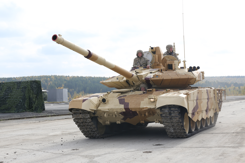 https://upload.wikimedia.org/wikipedia/commons/9/9c/T-90SM_-_RAE2013-04.jpg