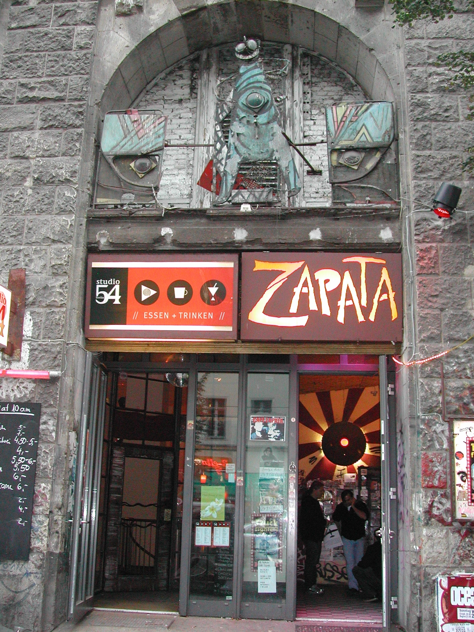 berlin dating cafe