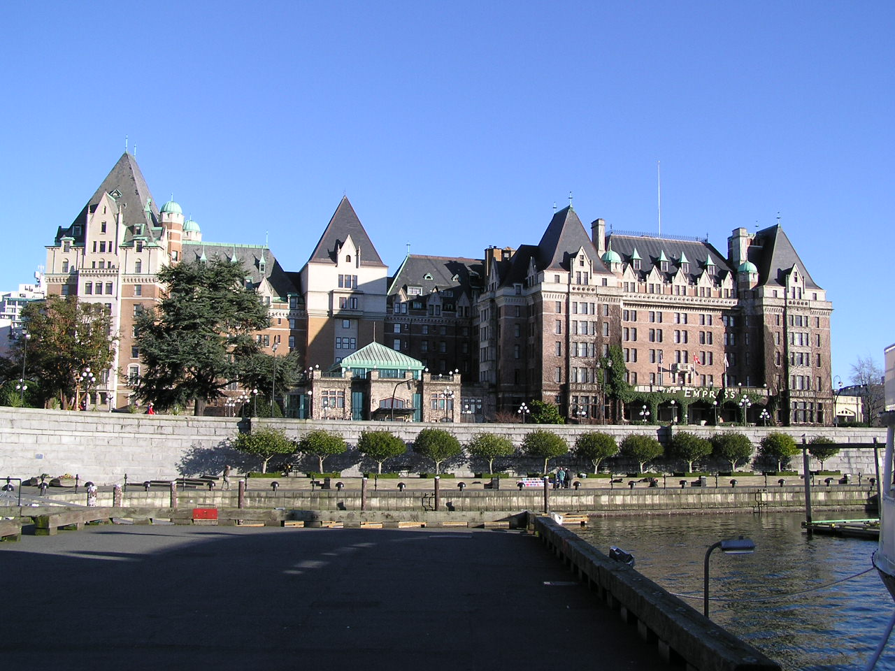 File The Empress Hotel Jpg Wikimedia Commons