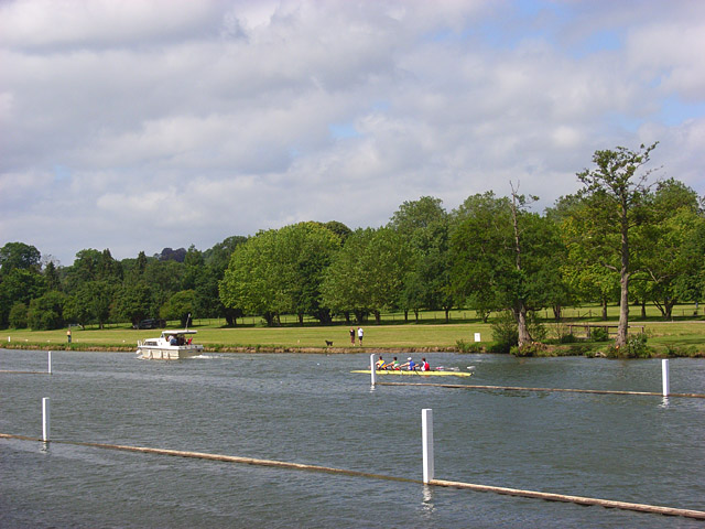 The River Thames, Remenham - geograph.org.uk - 874404