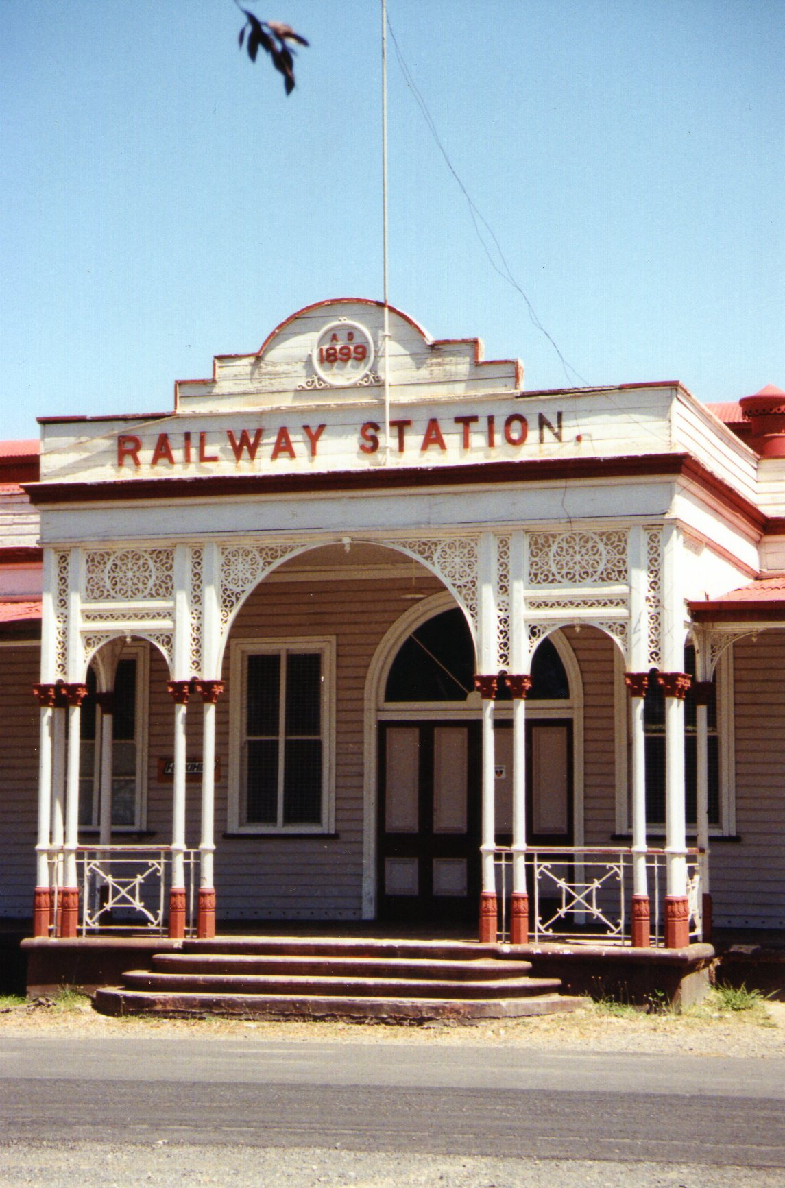 Emerald Railway Station Queensland Wikipedia