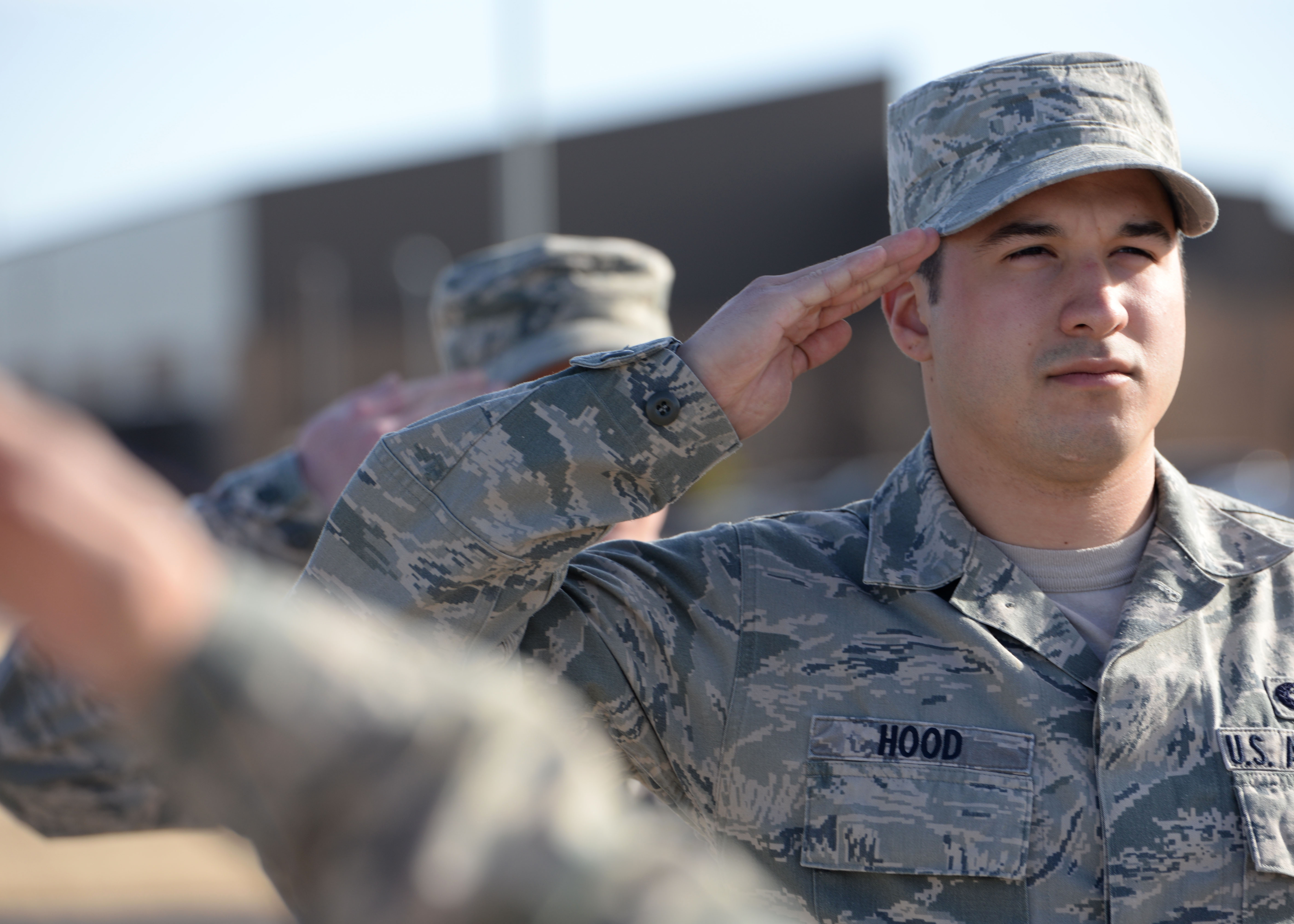 NCO dating Airman