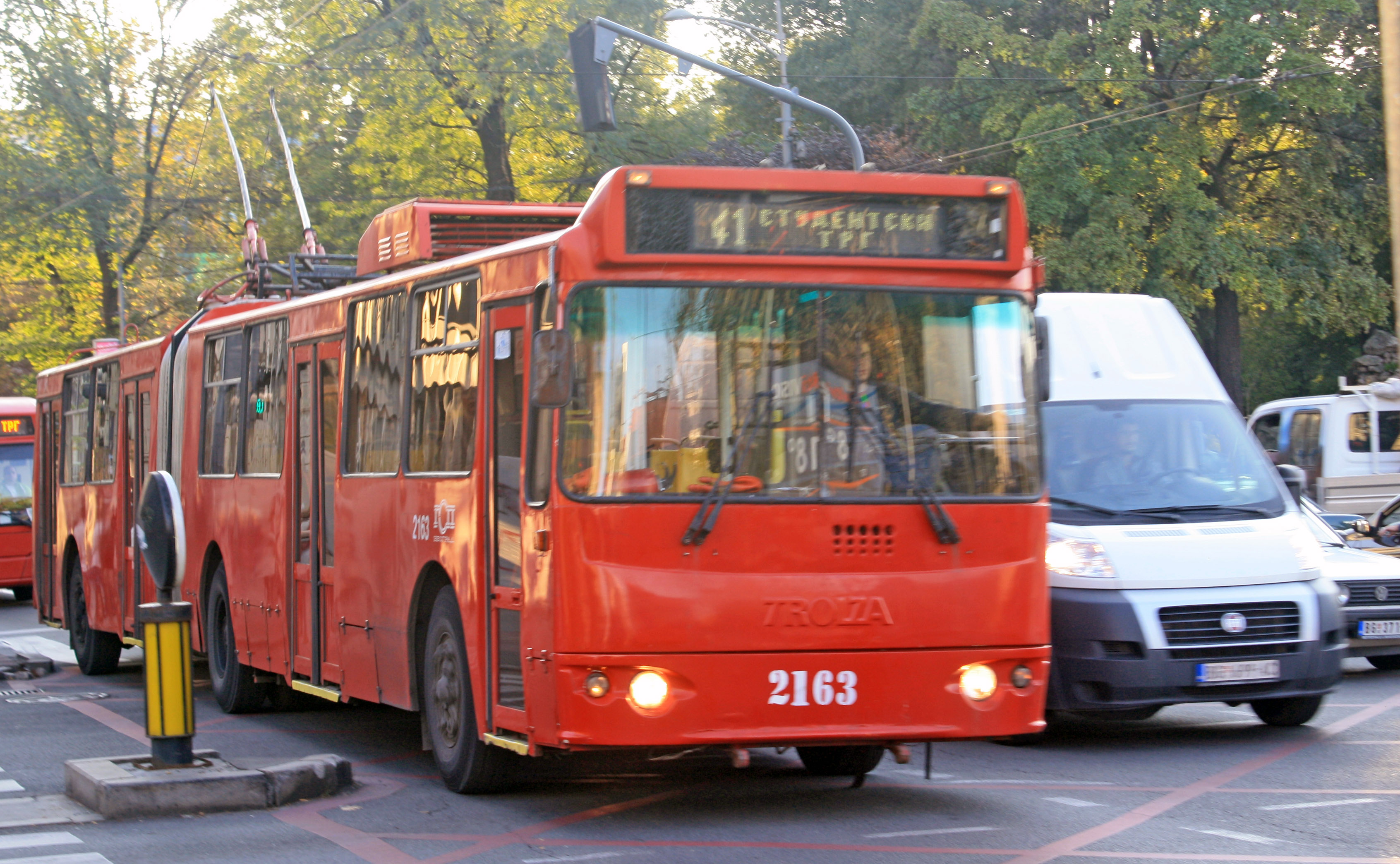 File:TrolZa GSP Beograd 2163.jpg