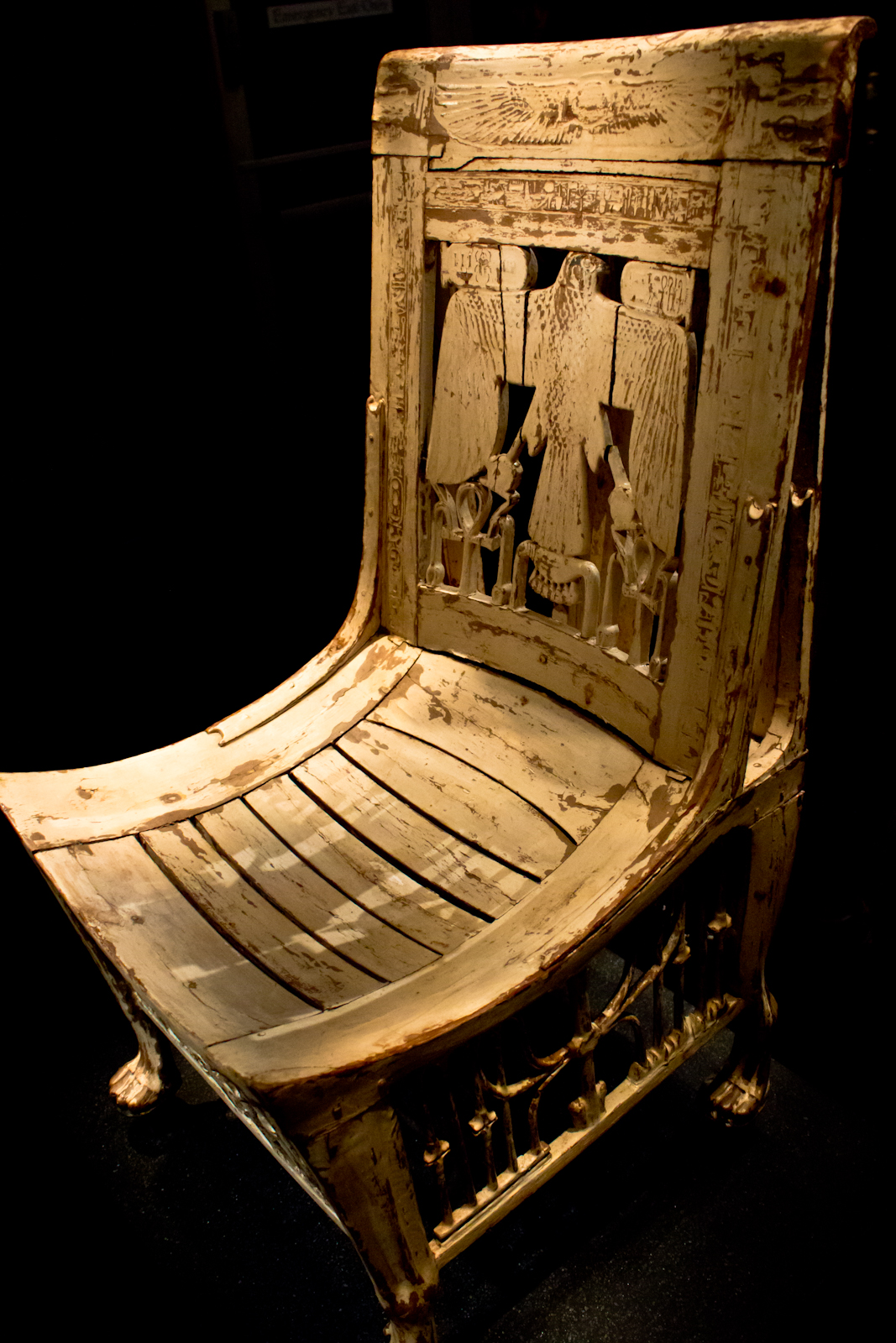 File tutankhamun the king 39 s wikimedia commons for Recouvrir une assise de chaise
