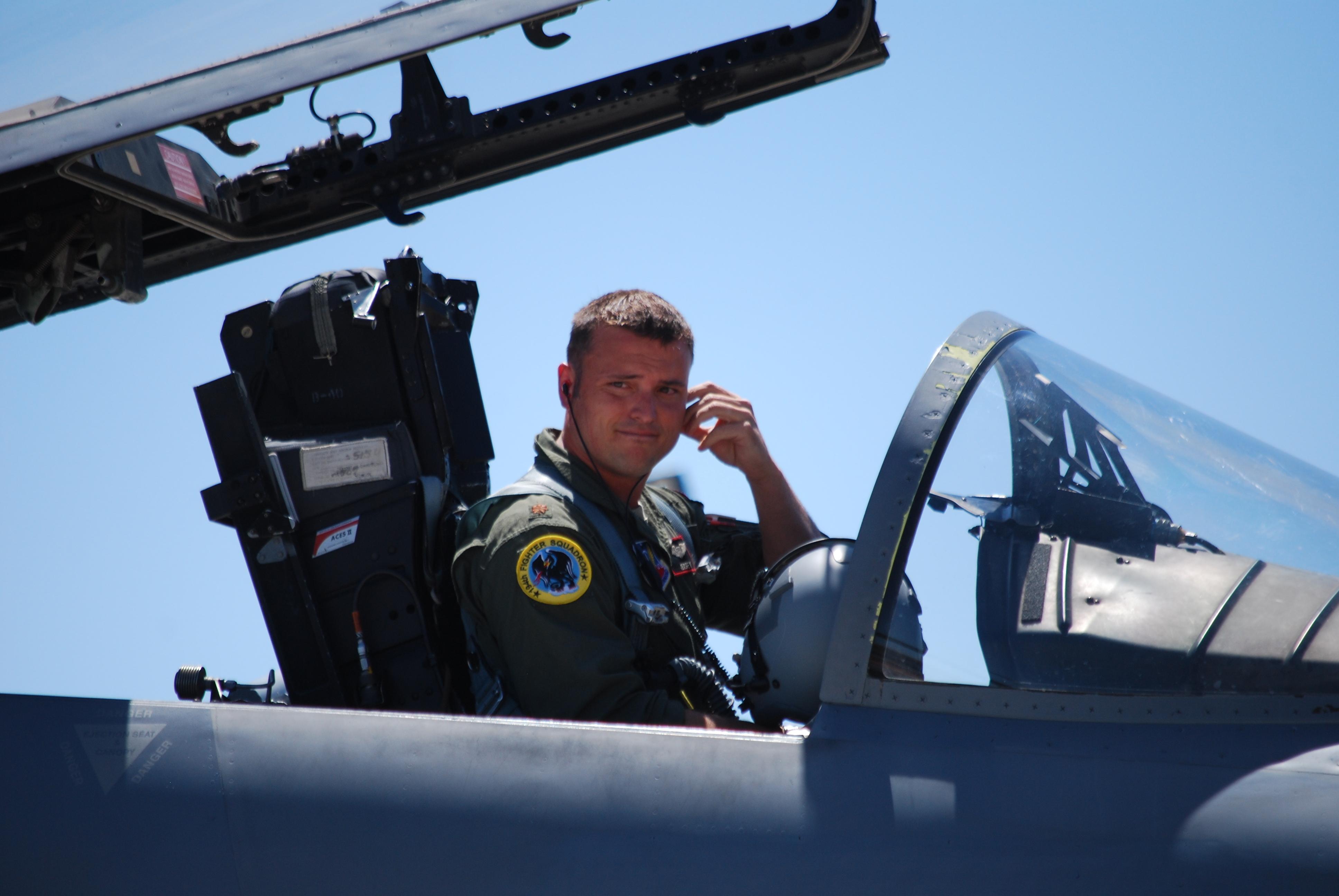 F 15 Cockpit File:U.S. Air Force Ma...