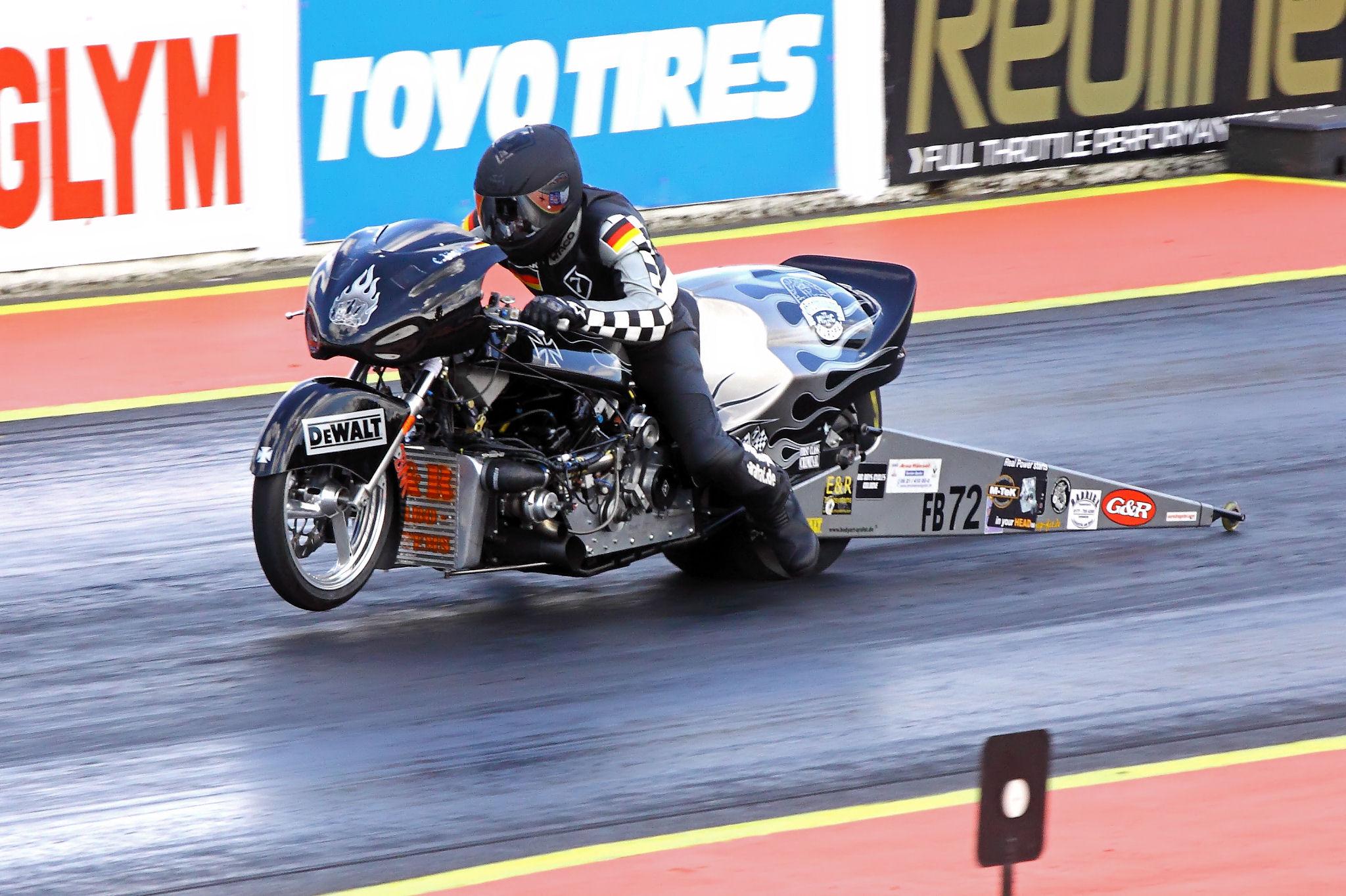 File Uem Funny Bike Suzuki 1327cc Santa Pod 2010 4656811457