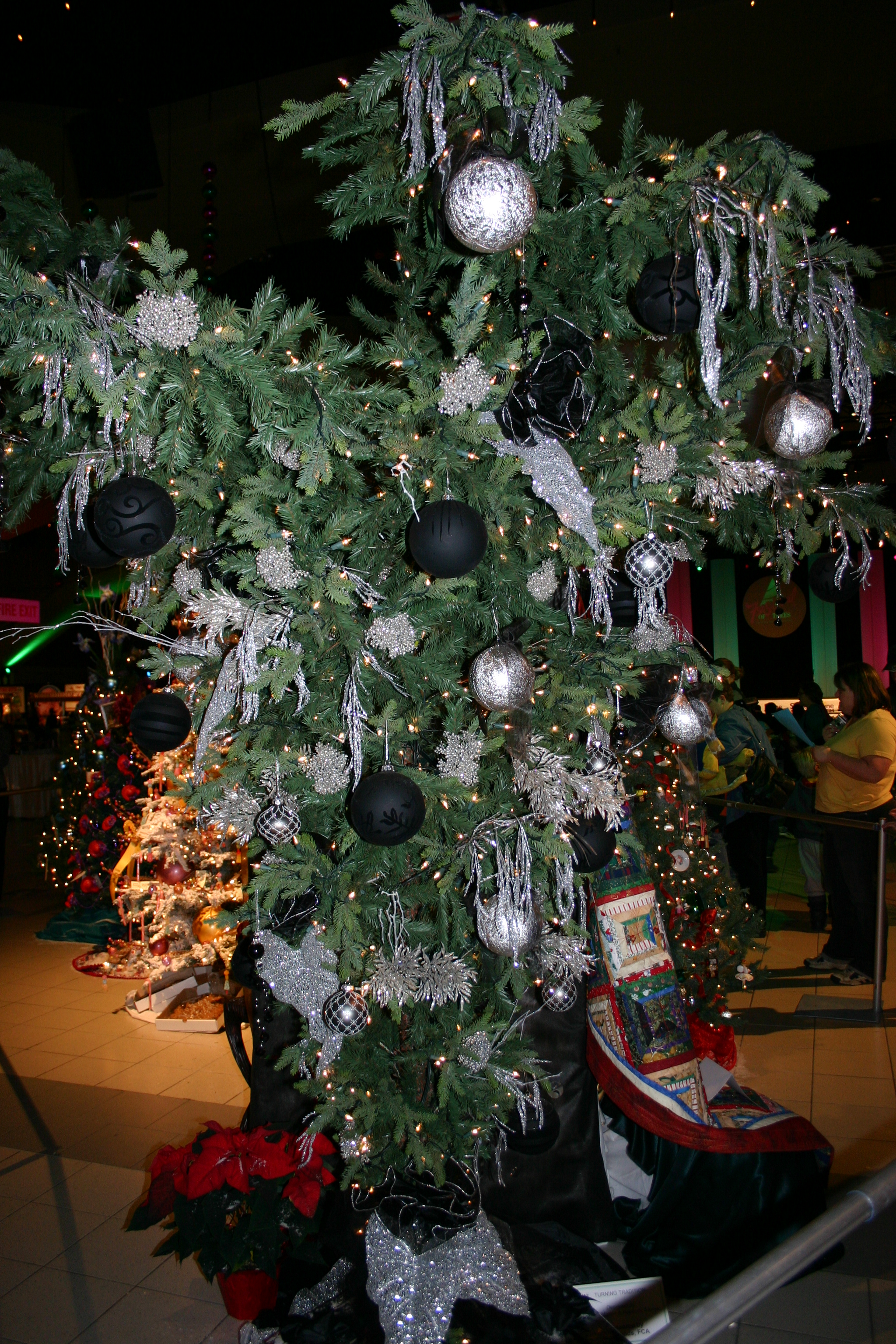 Upside Down Christmas Tree Origin.File Upside Down Xmas Tree Jpg Wikimedia Commons