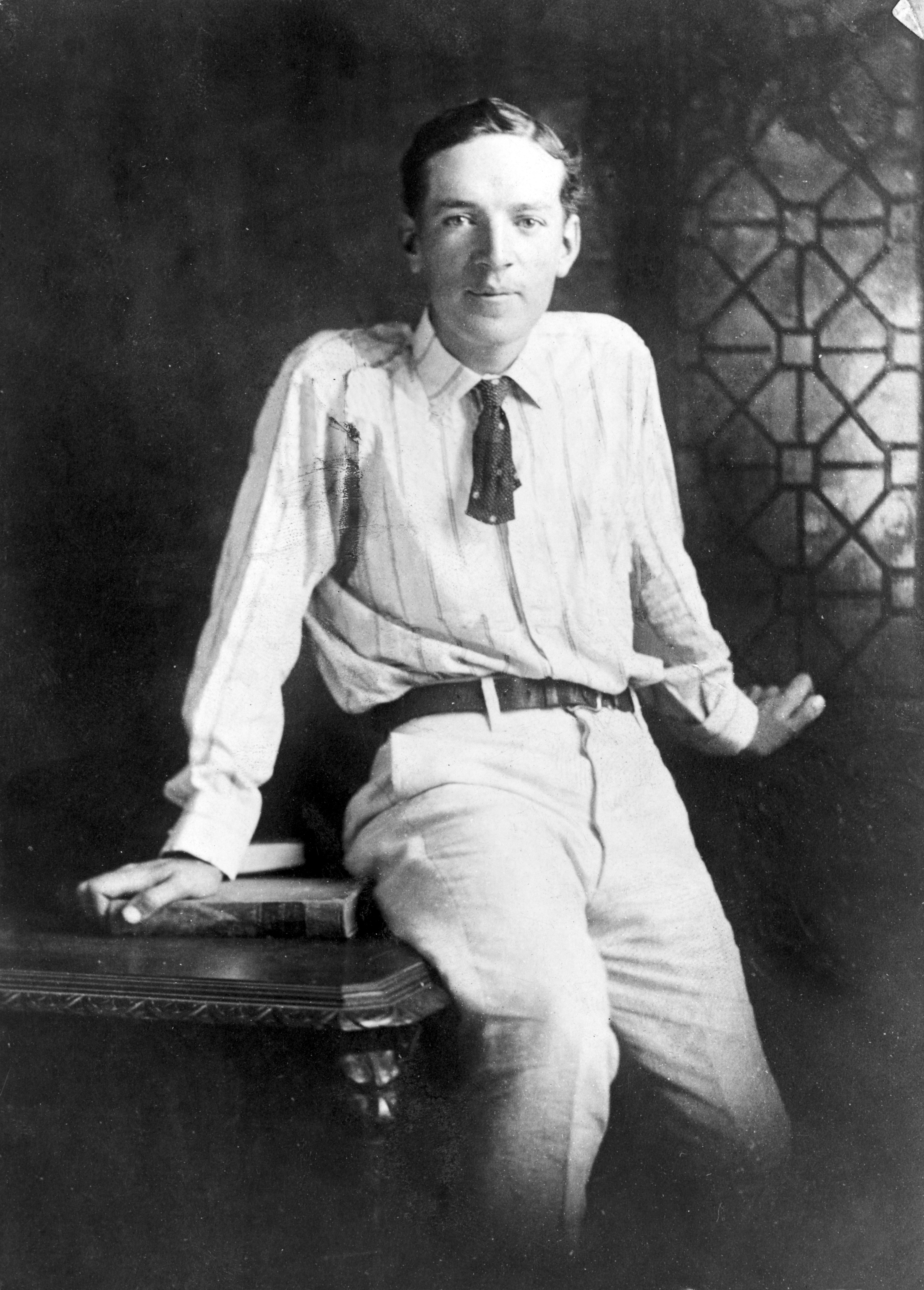 socialism in the jungle by upton sinclair Socialism and upton sinclair's the jungle in 1906, upton sinclair's book the jungle was published in book form it had previously been published as a newspaper serial in 1905.