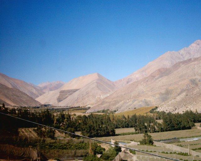Las letras del álbum de 1999 Mamalluca, escritas por Eduardo Parra, reciben una fuerte inspiración del Valle de Elqui, en la imagen.