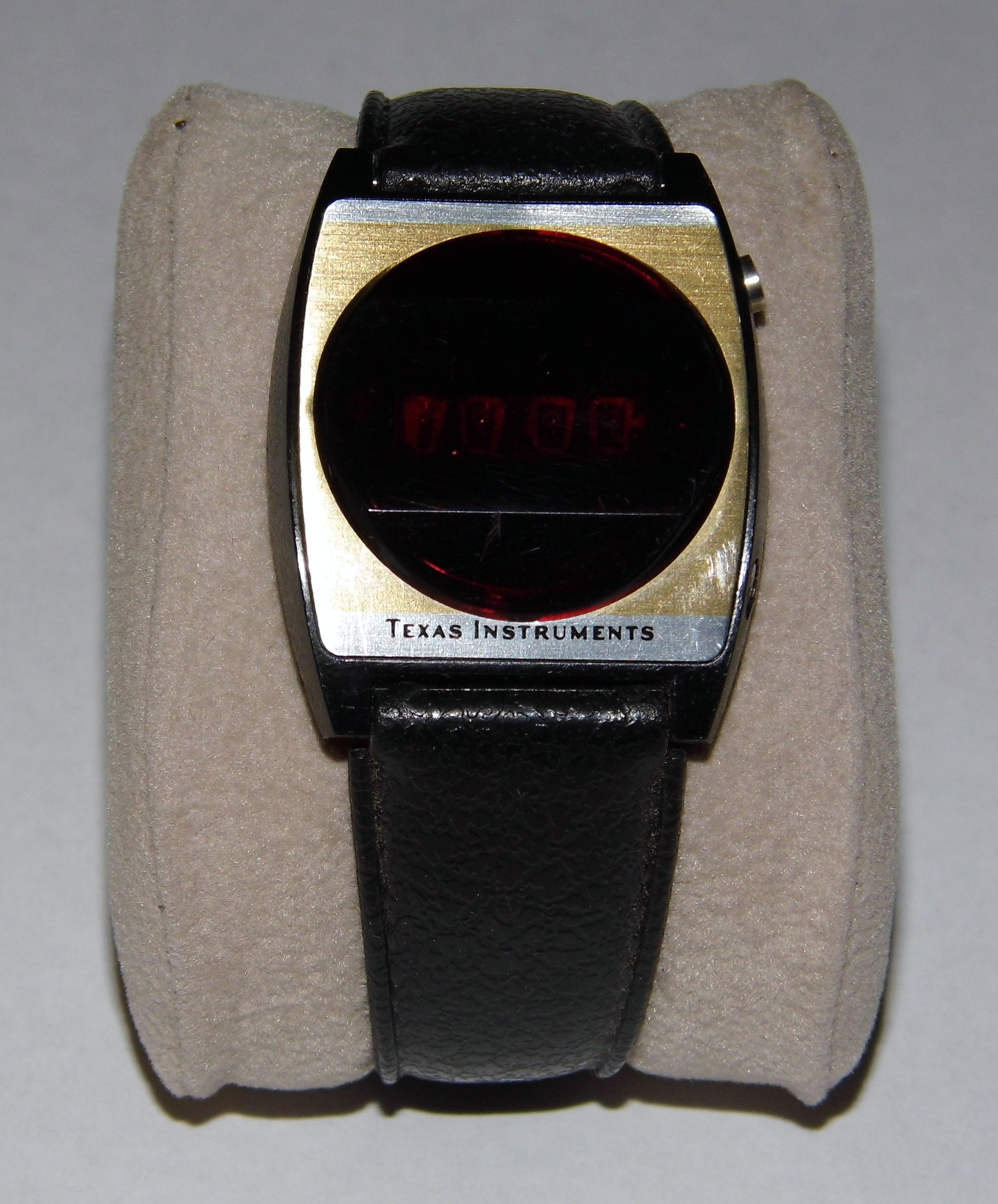 File:Vintage Texas Instruments Series 500 LED Watch ...