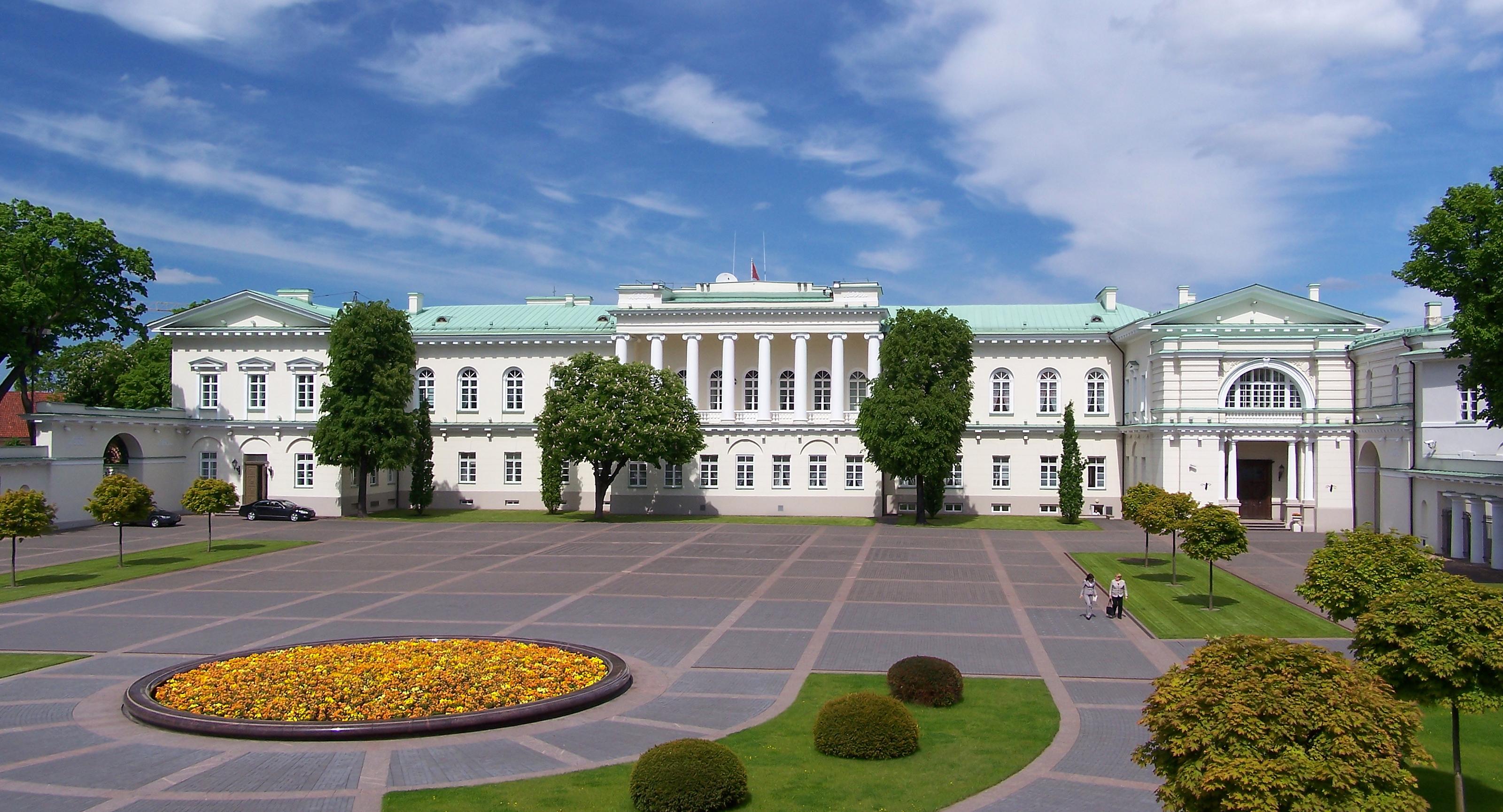 Resultado de imagen para lithuanian presidential palace