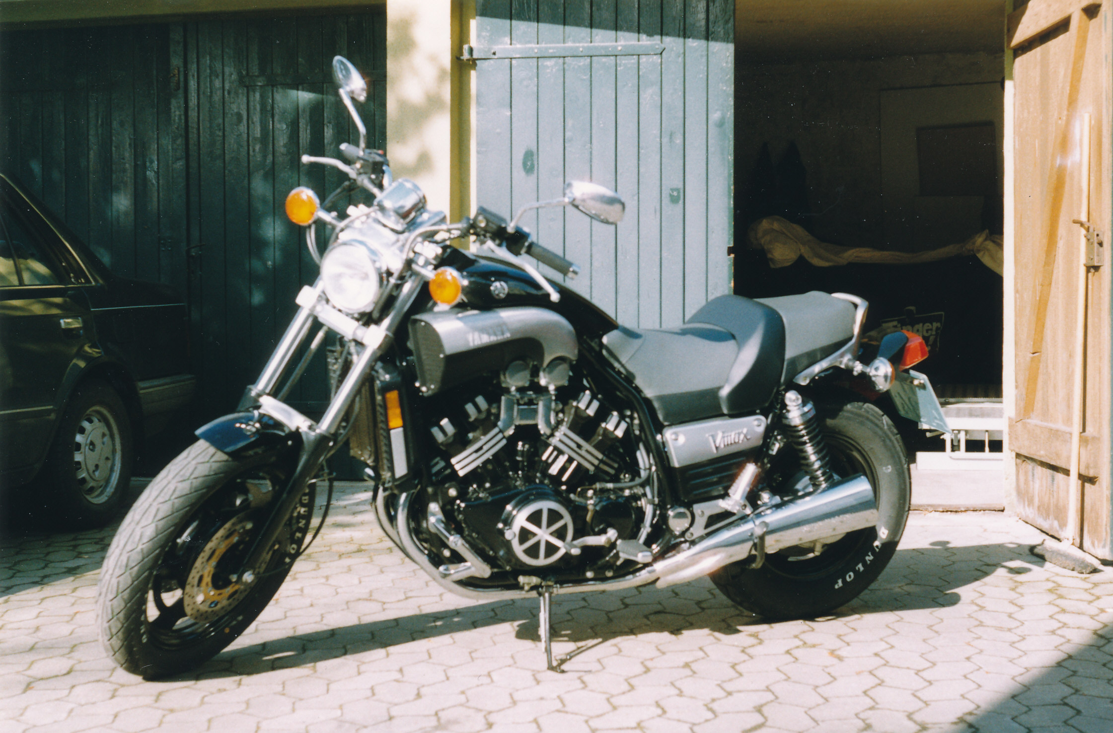 Description yamaha v max