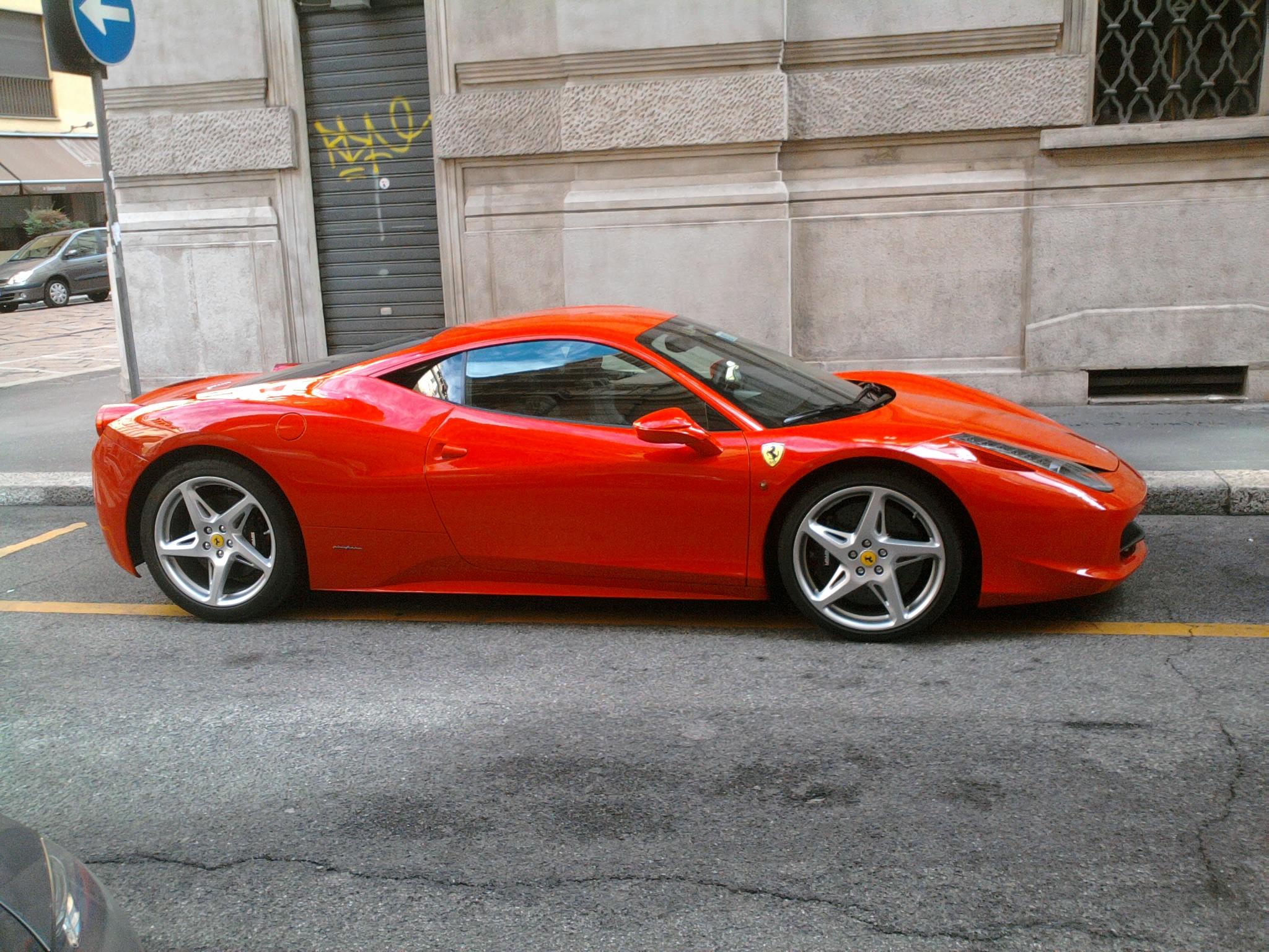file39 10 italy ferrari 458 italia rossa a milano 03jpg - Ferrari Italia 458
