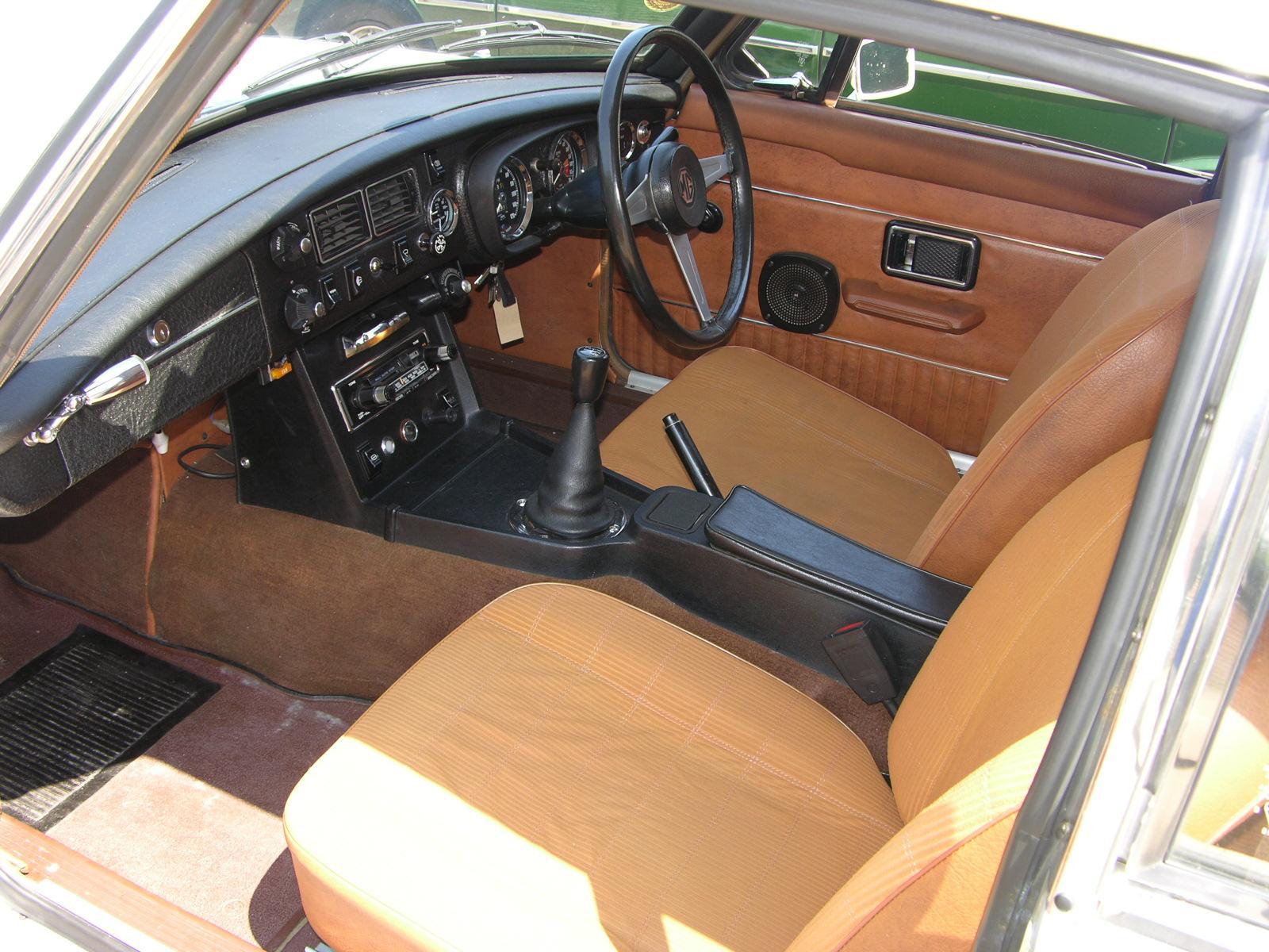 File 1974 mg mgb gt flickr the car spy 19 jpg for Interior pics