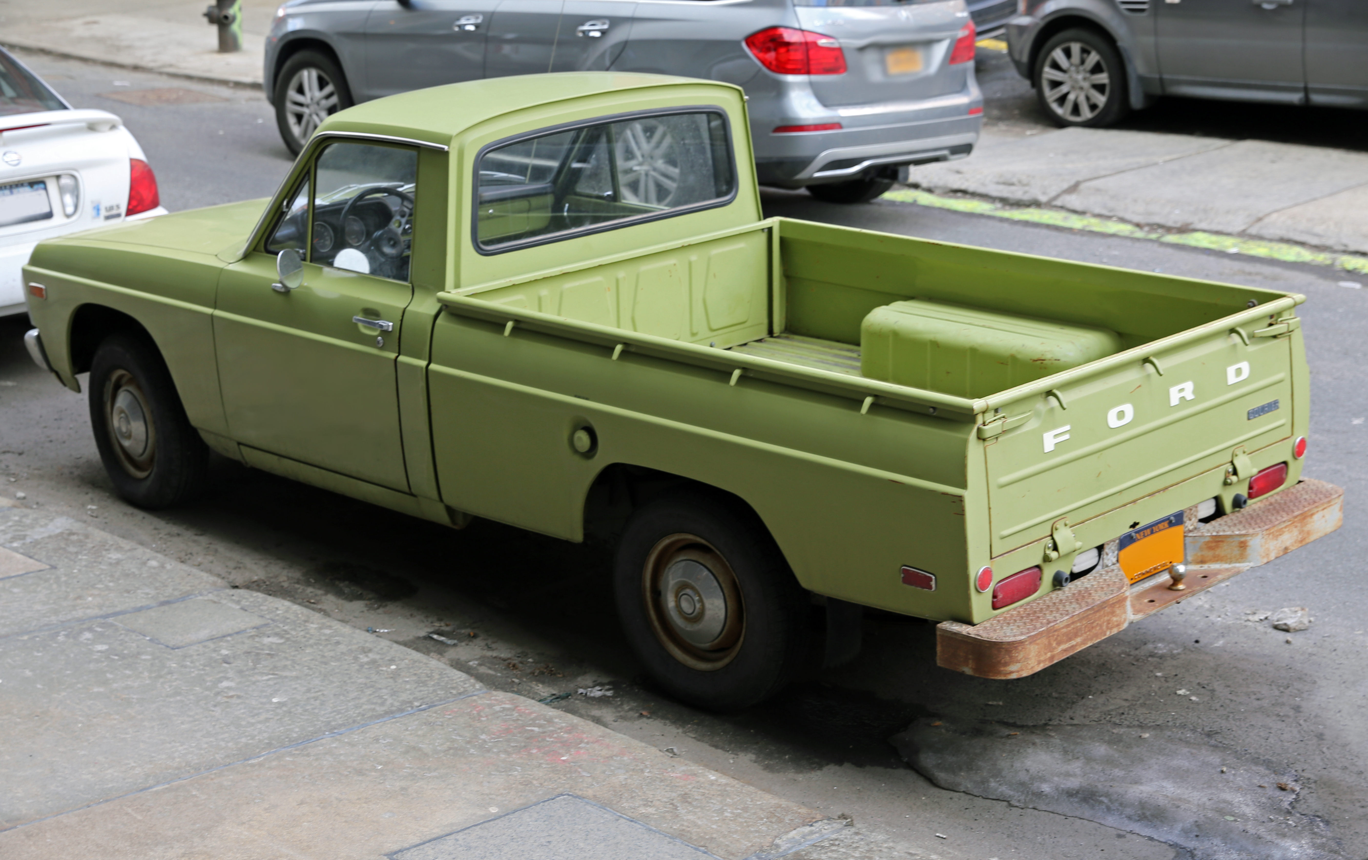 file 1975 ford courier left rear wikimedia commons. Black Bedroom Furniture Sets. Home Design Ideas