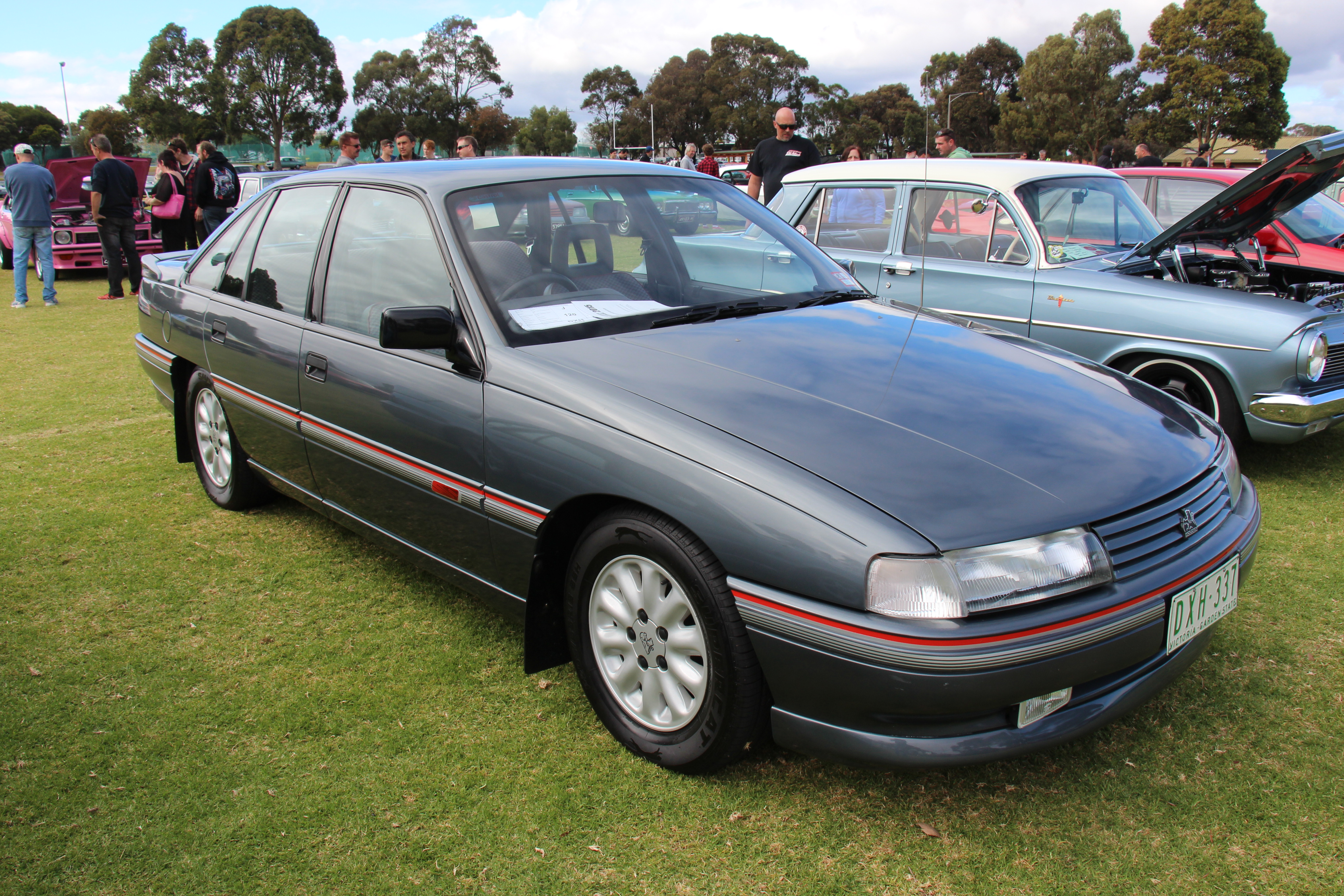 1988 1991 holden vn calais with Holden  Modore  28vn 29 on Holden  modore  VN also Voitures D Australie F P V 2002 as well 1994 besides 162064659783 additionally Vp  modore Problems.