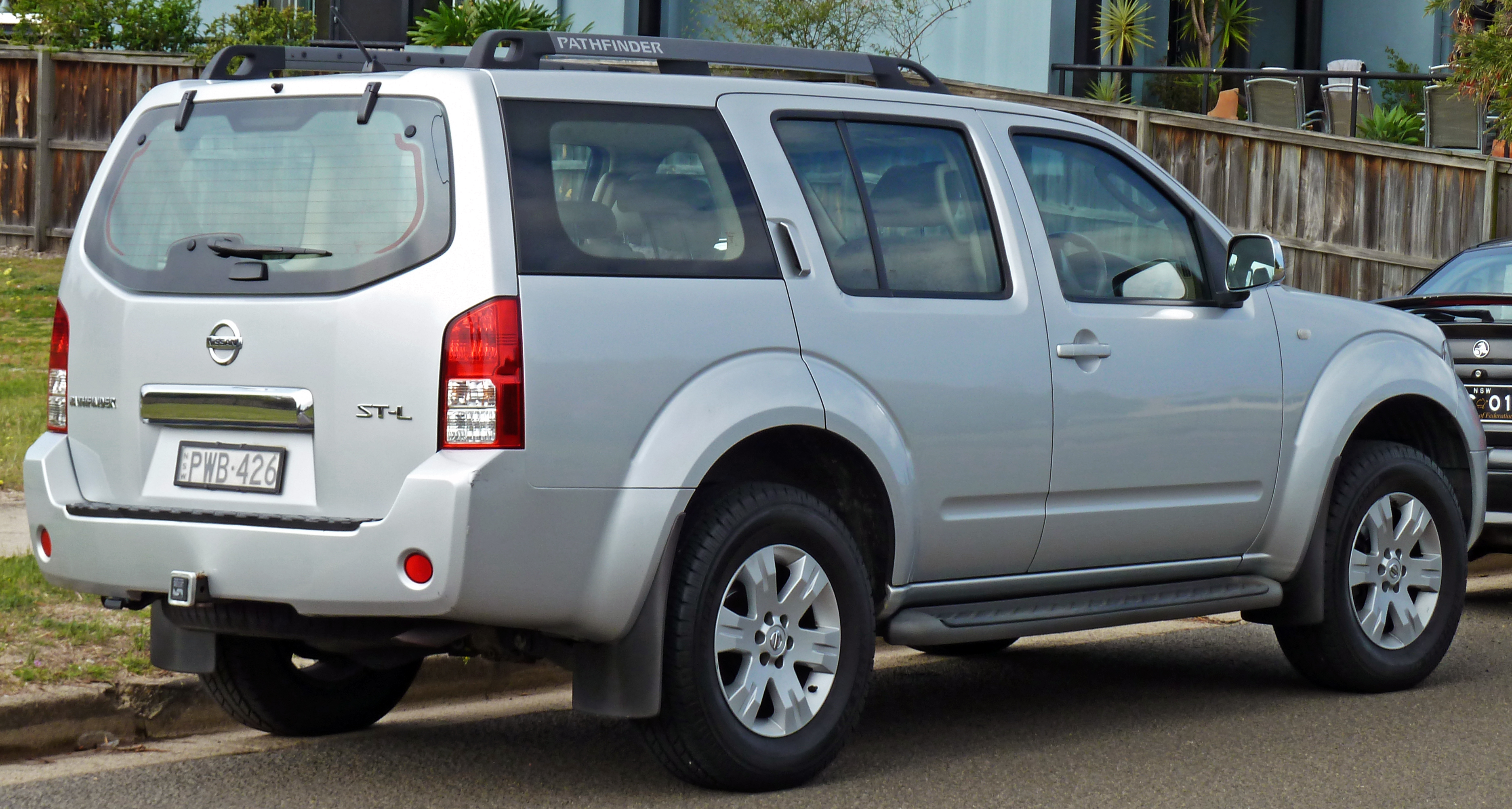 nissan for photos sale features price s pathfinder front drive reviews photo suv wheel