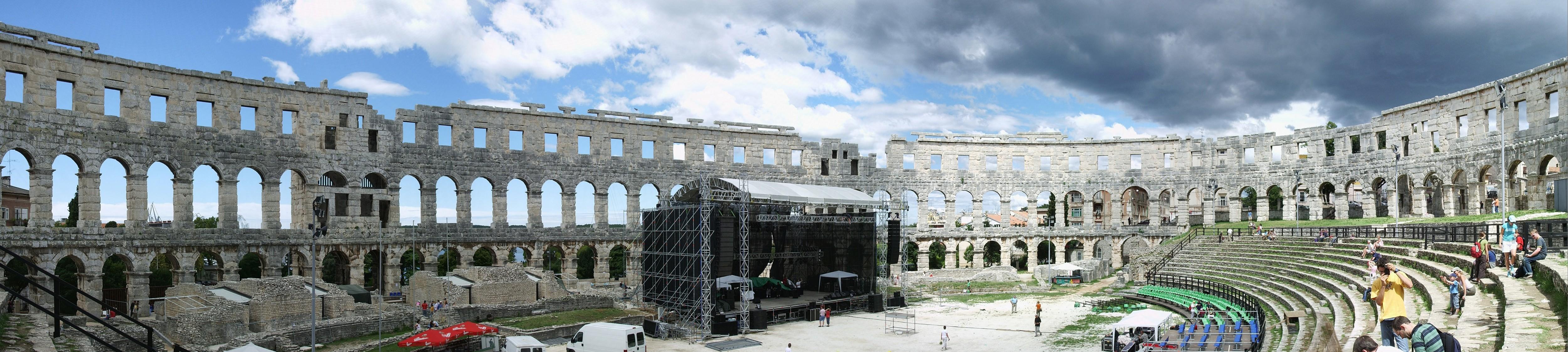 Pula Croatia Amphitheater File:amphitheater Pula Innen