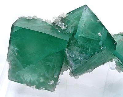 [Image: Aragonite-Fluorite-cflu02c.jpg]