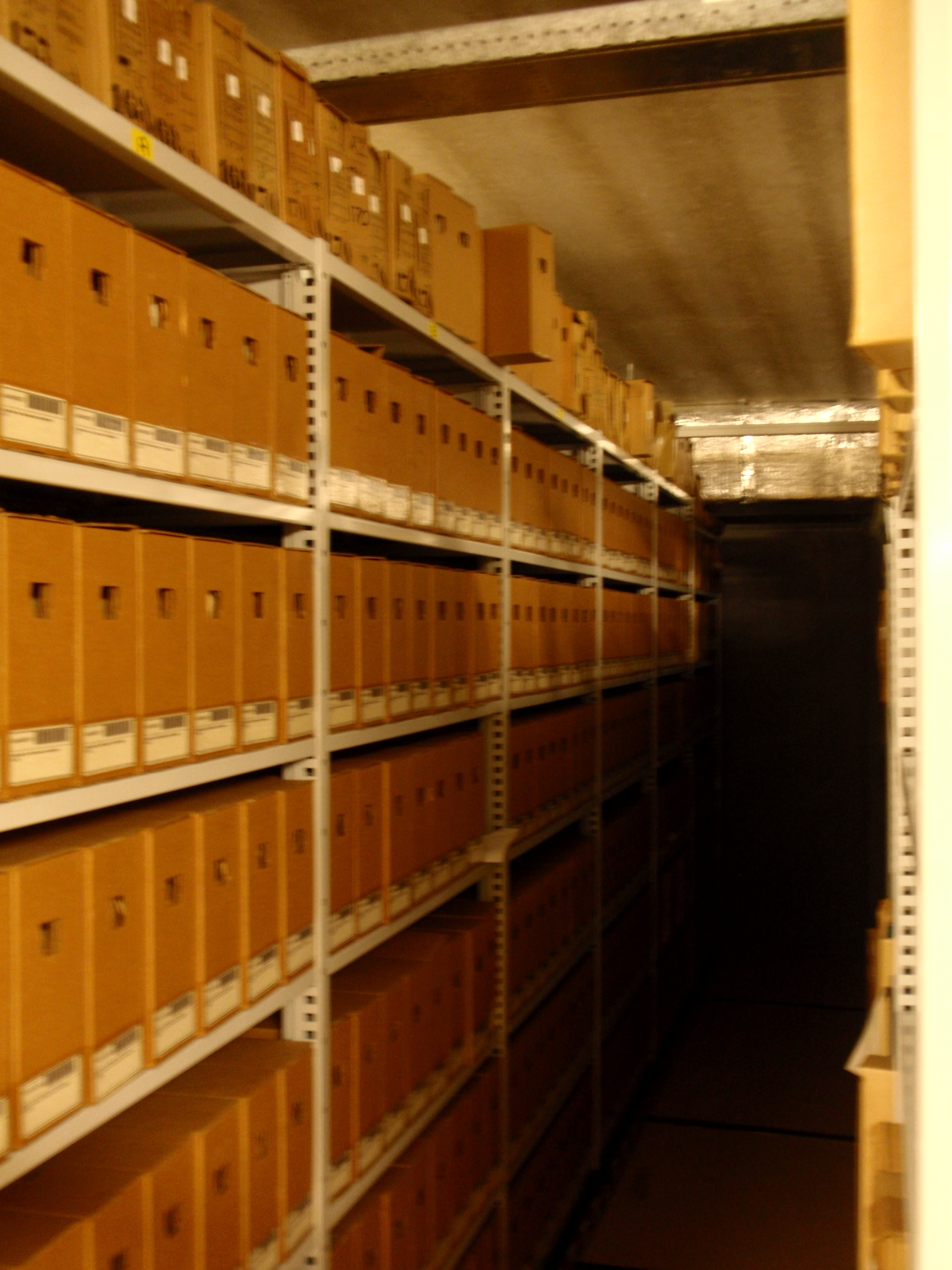 File:Archive boxes 2.JPG - Wikimedia Commons