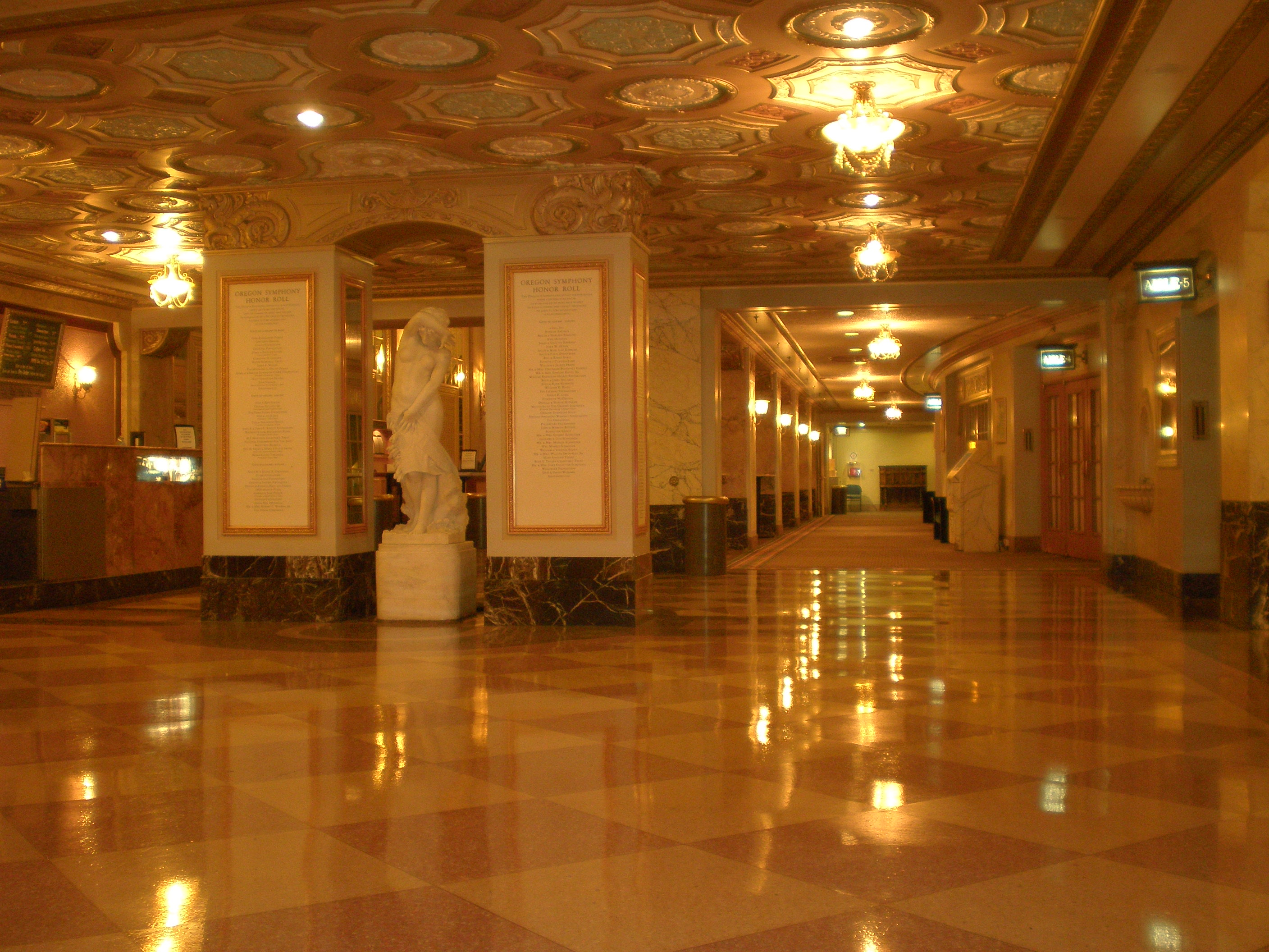 FileArlene Schnitzer Concert Hall Main Floorjpg Wikimedia Commons - Portland schnitzer concert hall