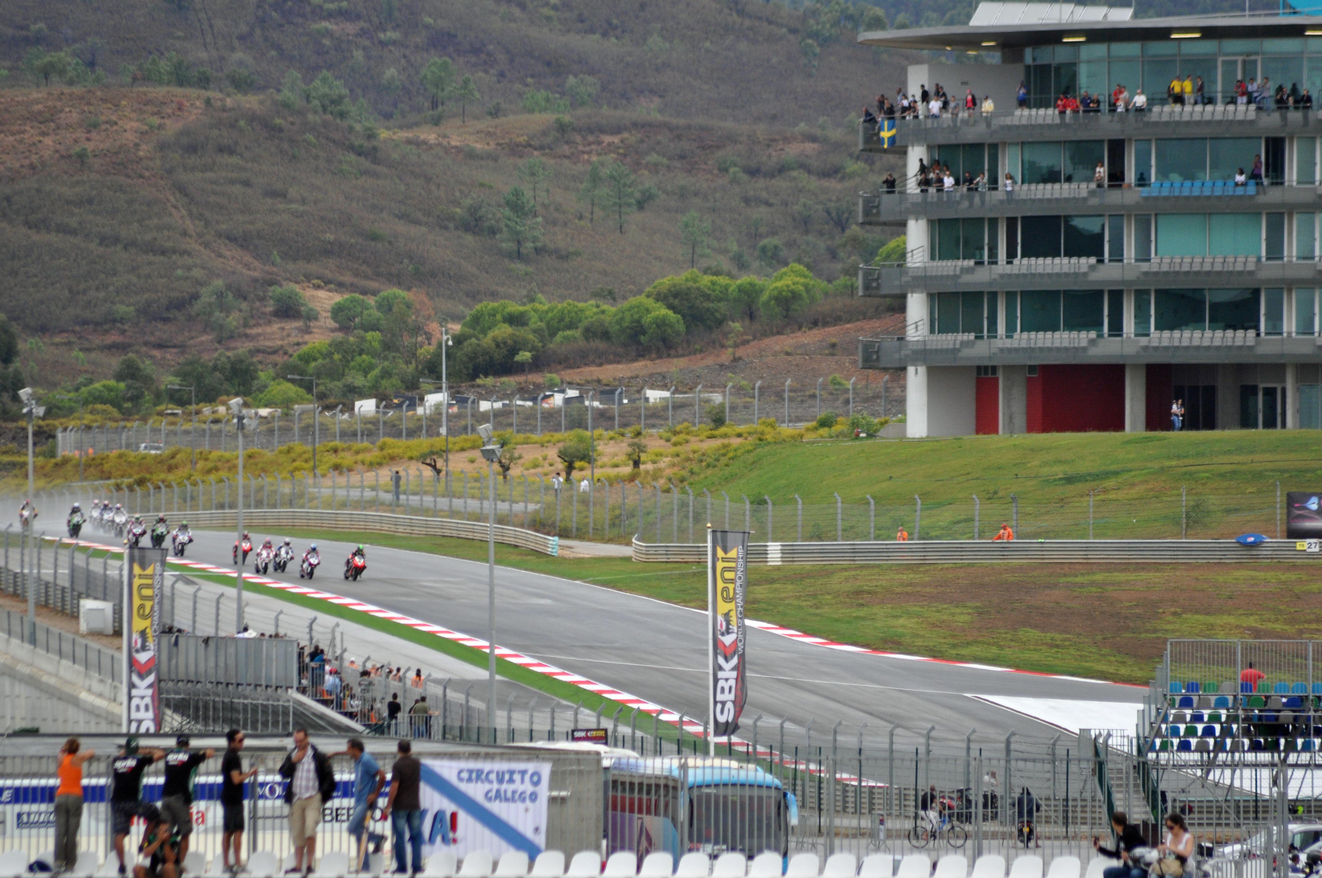Circuito Algarve : File autódromo internacional do algarve by