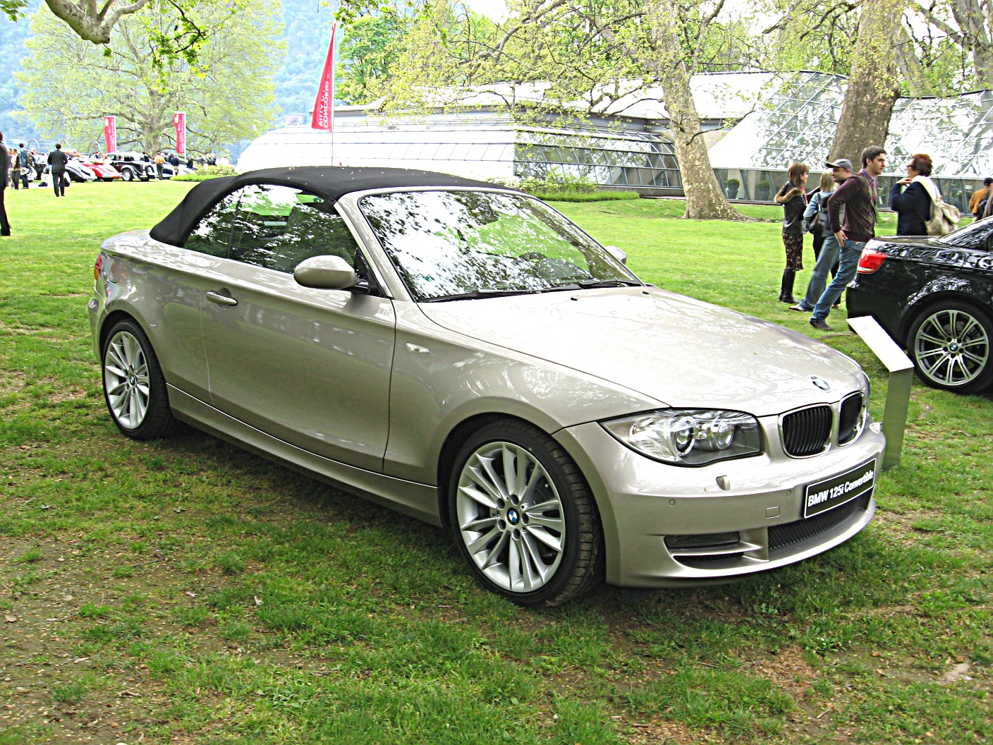 file bmw 125i cabriolet jpg wikimedia commons. Black Bedroom Furniture Sets. Home Design Ideas
