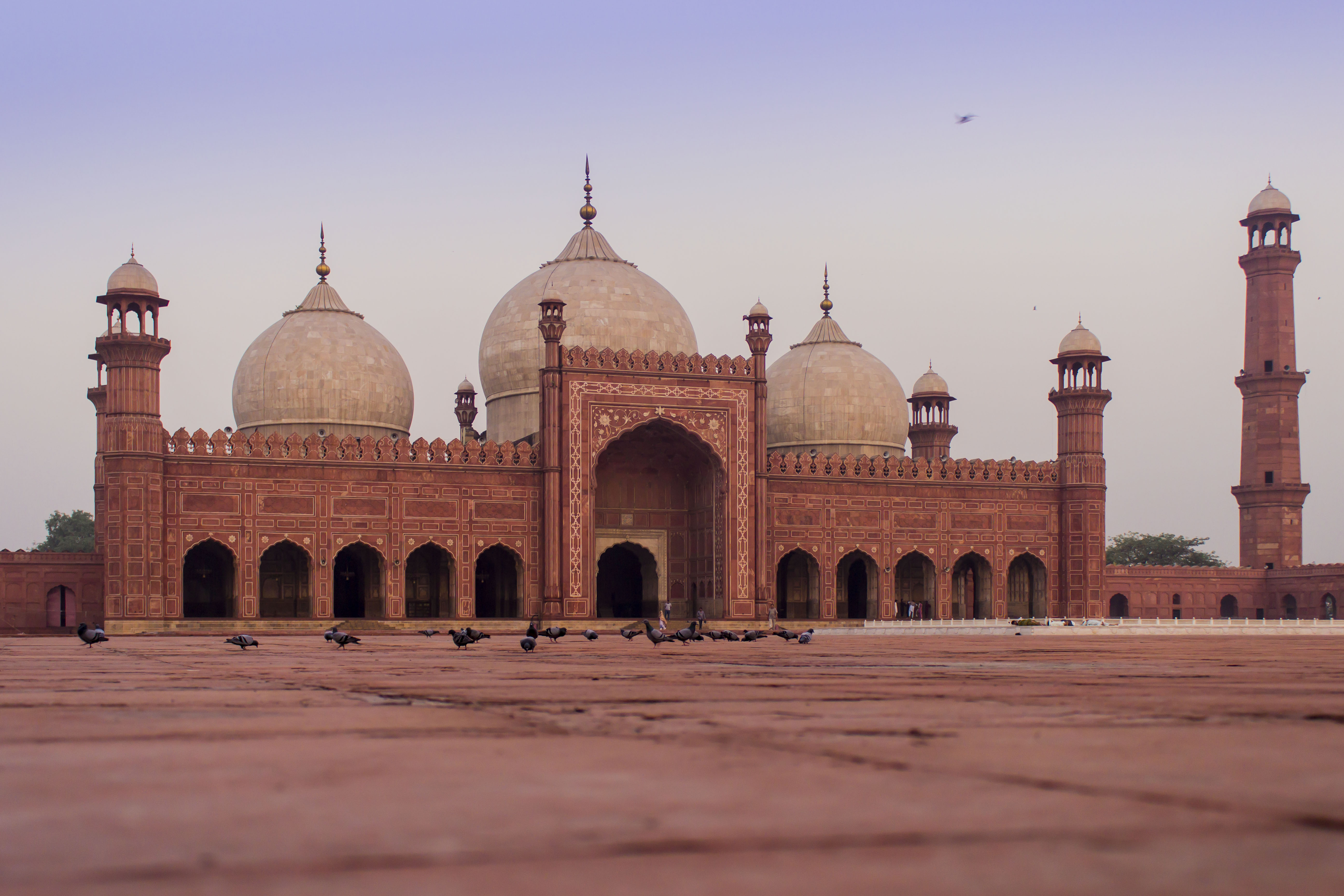 filebadshahi mosque 3jpg wikimedia commons