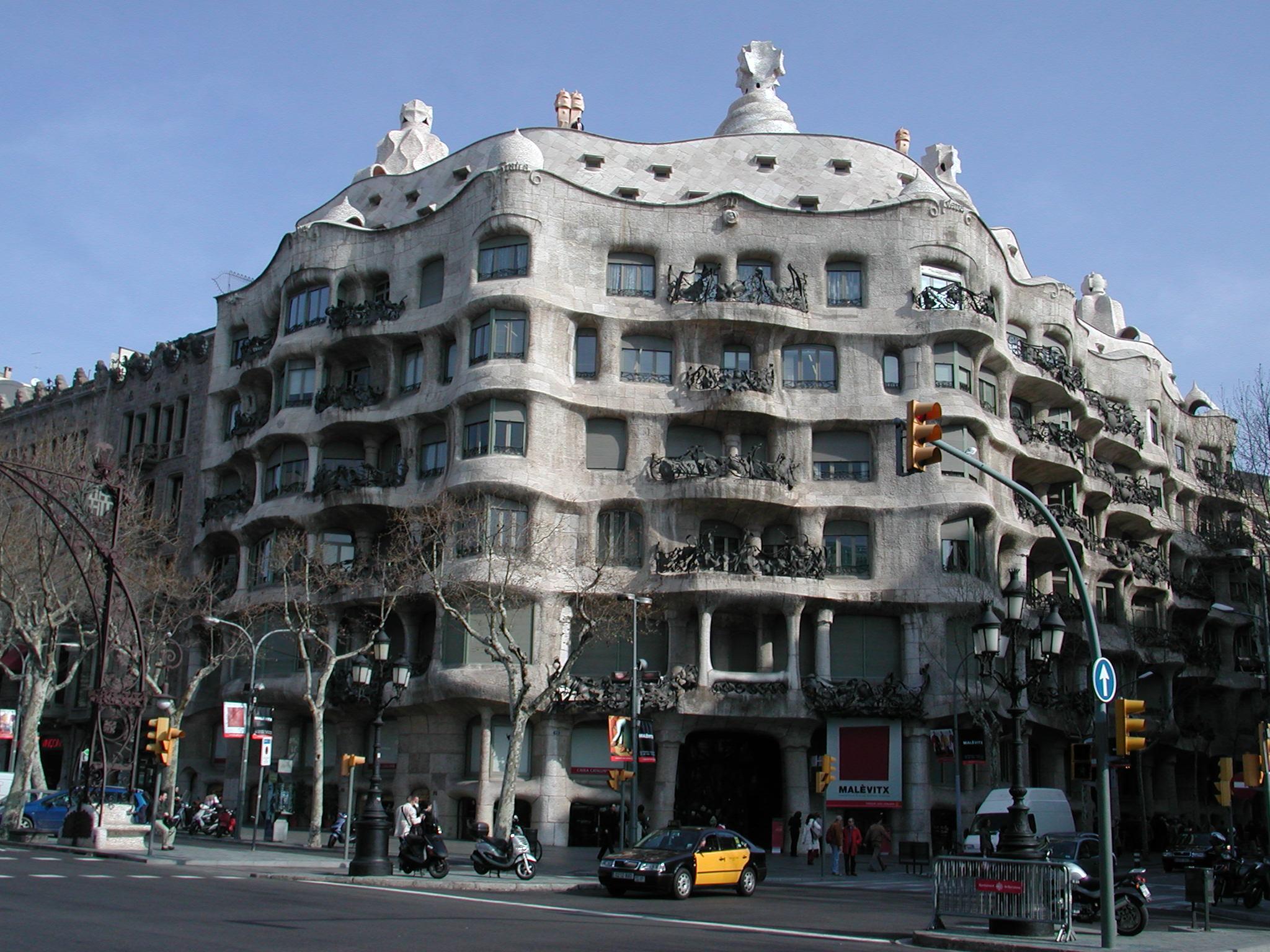 Barcelona casa mila gaudì.jpg