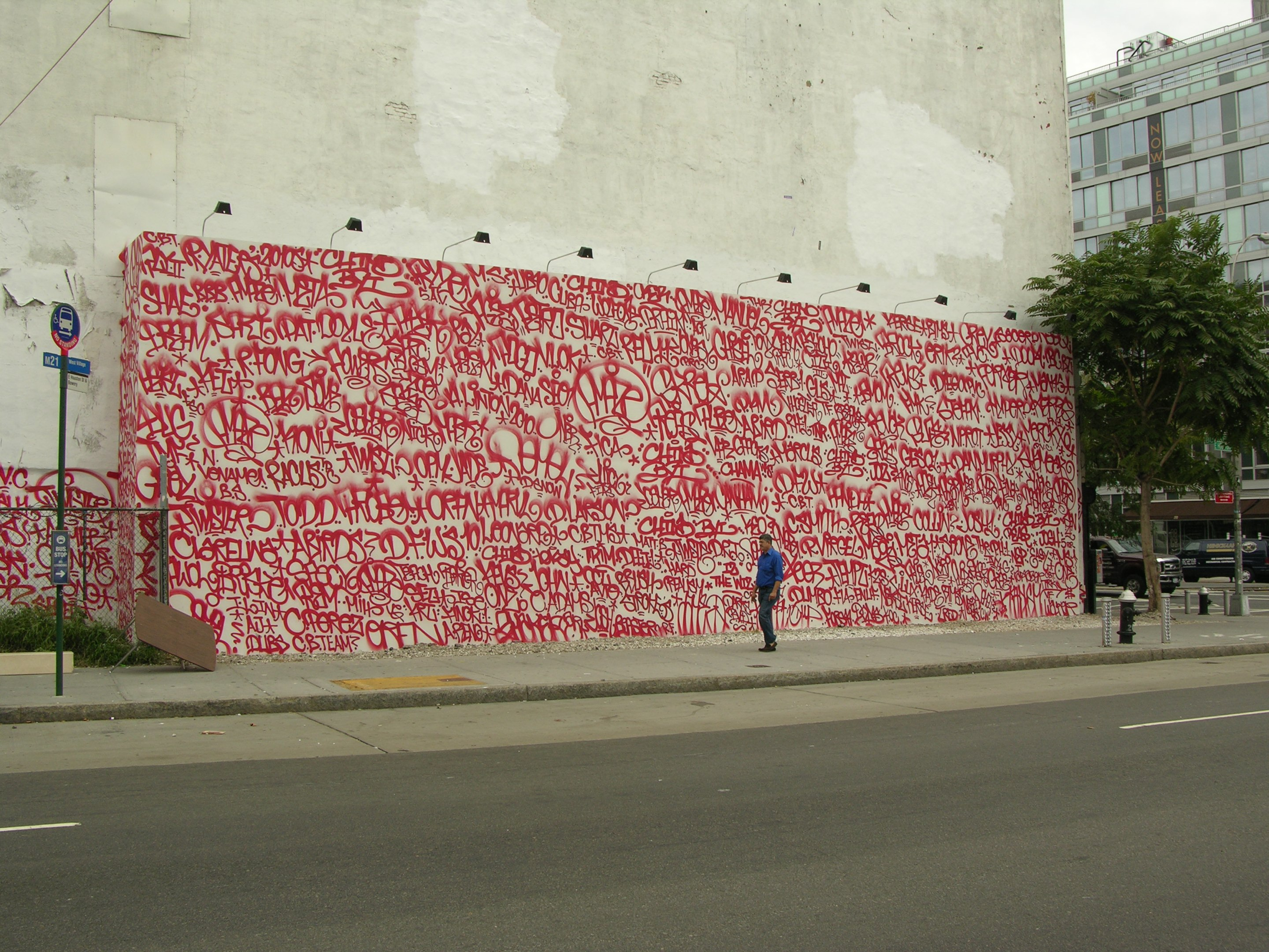 file barry mcgee mural on houston and bowery jpg places i will go exploring houston murals of the city
