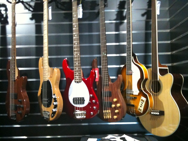 File:Bass guitars 1, guitar shop in Doublin jpg - Wikimedia