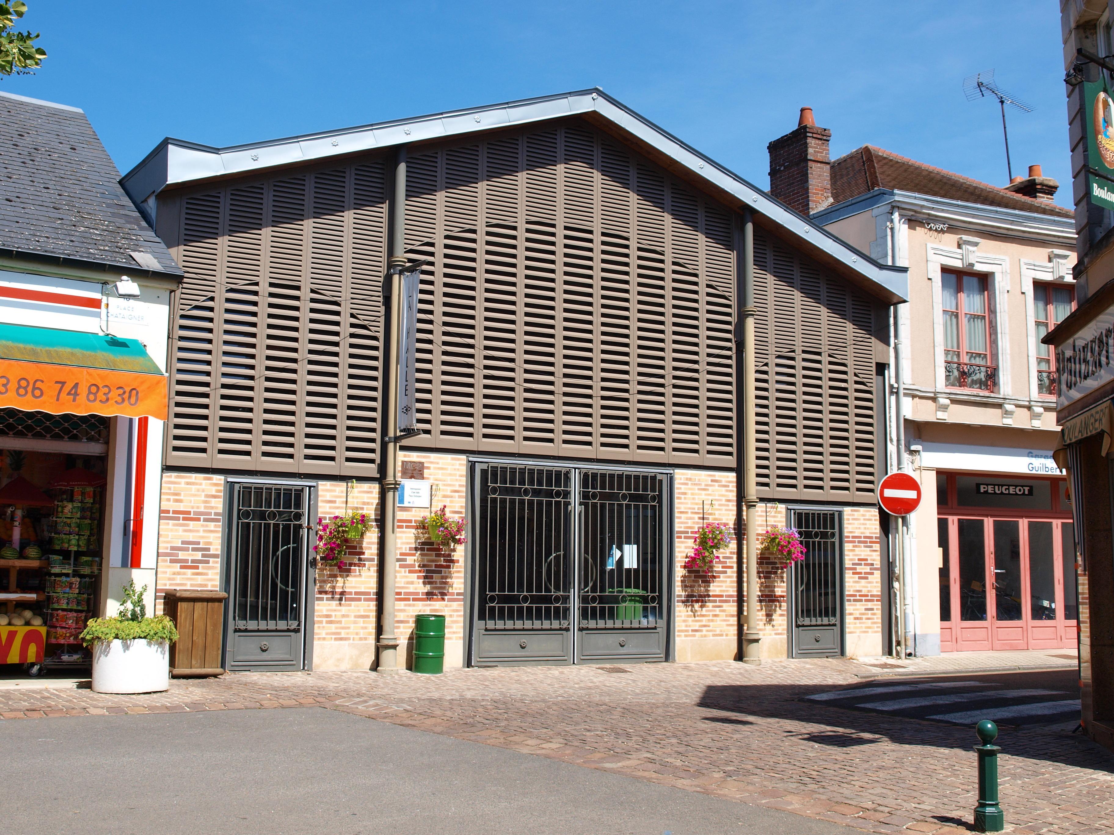 File:Bléneau FR 89 Halle De Marché 01