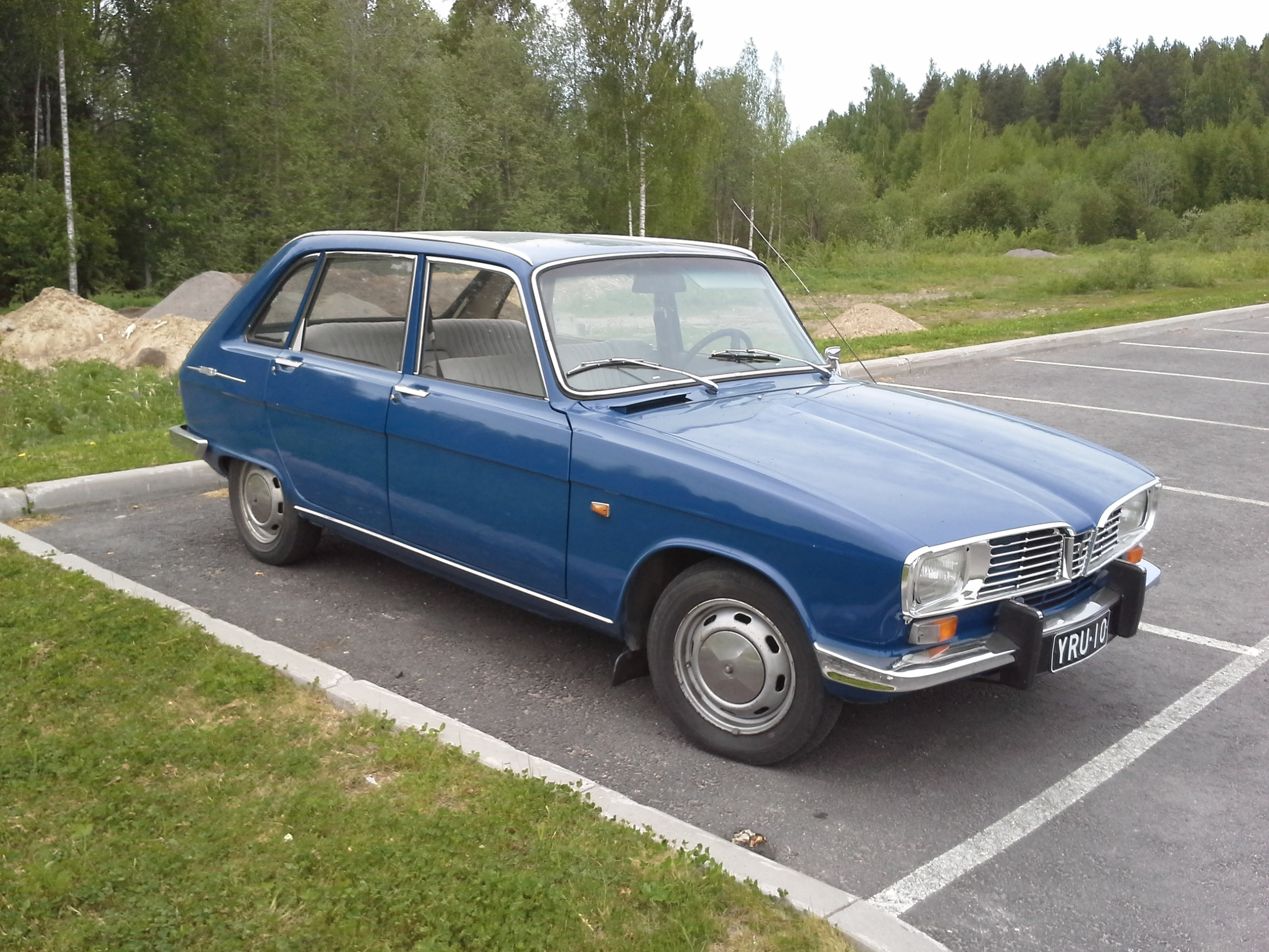 File Blue Renault 16 Ts Right Front Jpg Wikimedia Commons