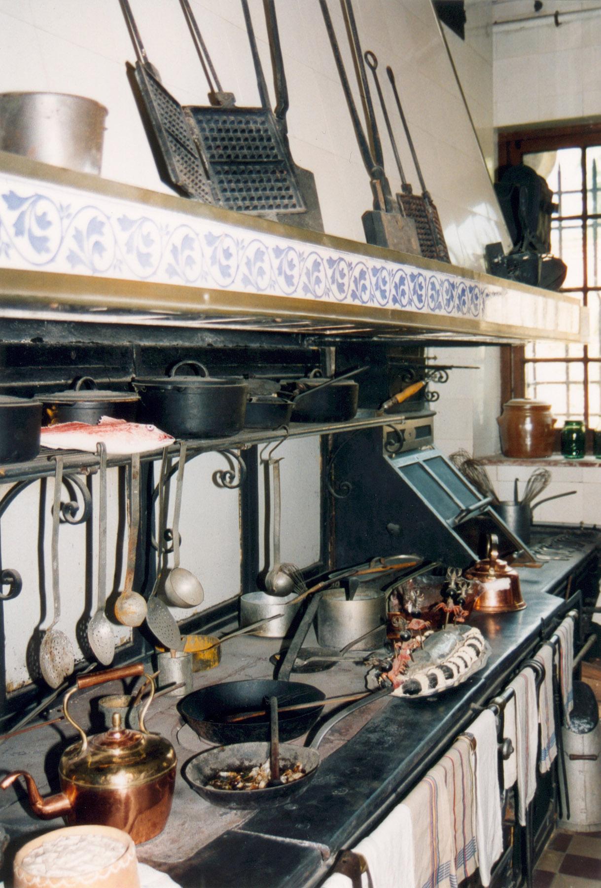 Description breteuil chateau cuisine
