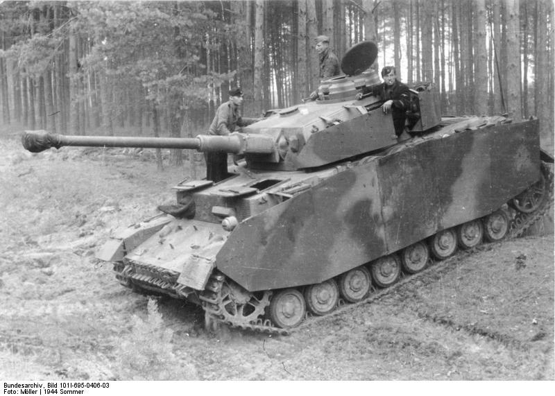 [Obrazek: Bundesarchiv_Bild_101I-695-0406-03%2C_Ru...ldrand.jpg]