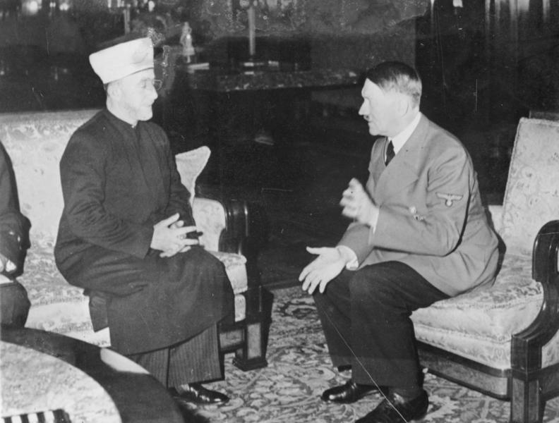 Treffen zwischen dem Großmufti von Jerusalem und Adolf Hitler 1941. (Bundesarchiv, Bild 146-1987-004-09A, Heinrich Hoffmann via Wikimedia Commons Lizenz CC-BY-SA 3.0)
