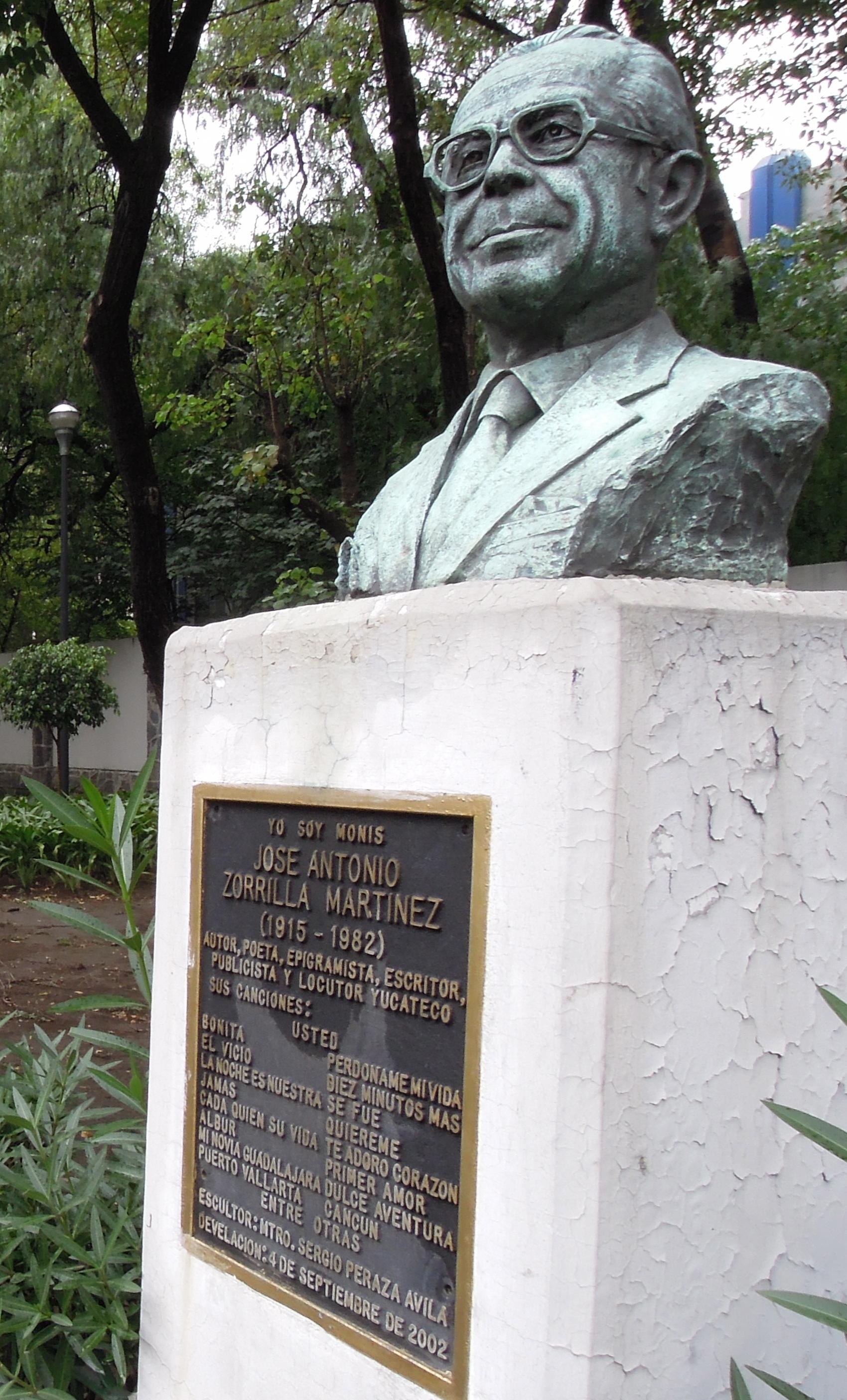 Busto de José Zorrilla ubicado en el Paseo de los Compositores en la calle de Alfonso Reyes y Diagonal de Patriotismo en la colonia Condesa de la Ciudad de México.