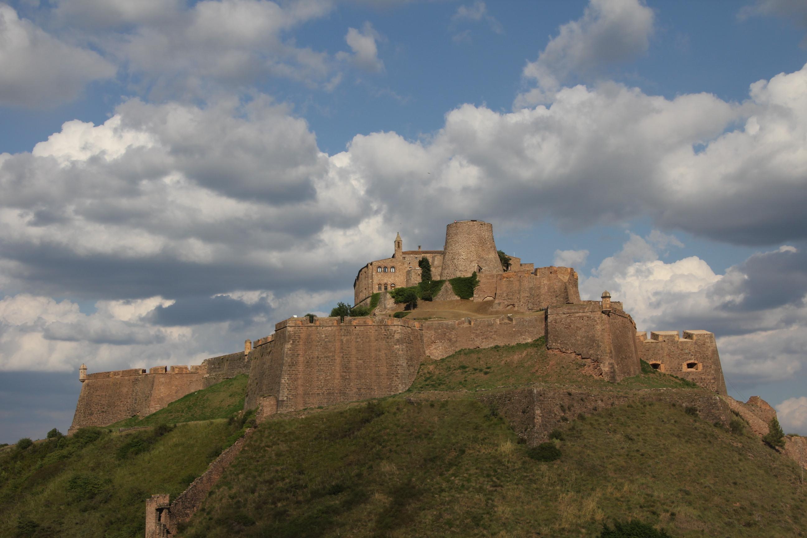 File:Castell de Cardona -1.JPG - Wikimedia Commons