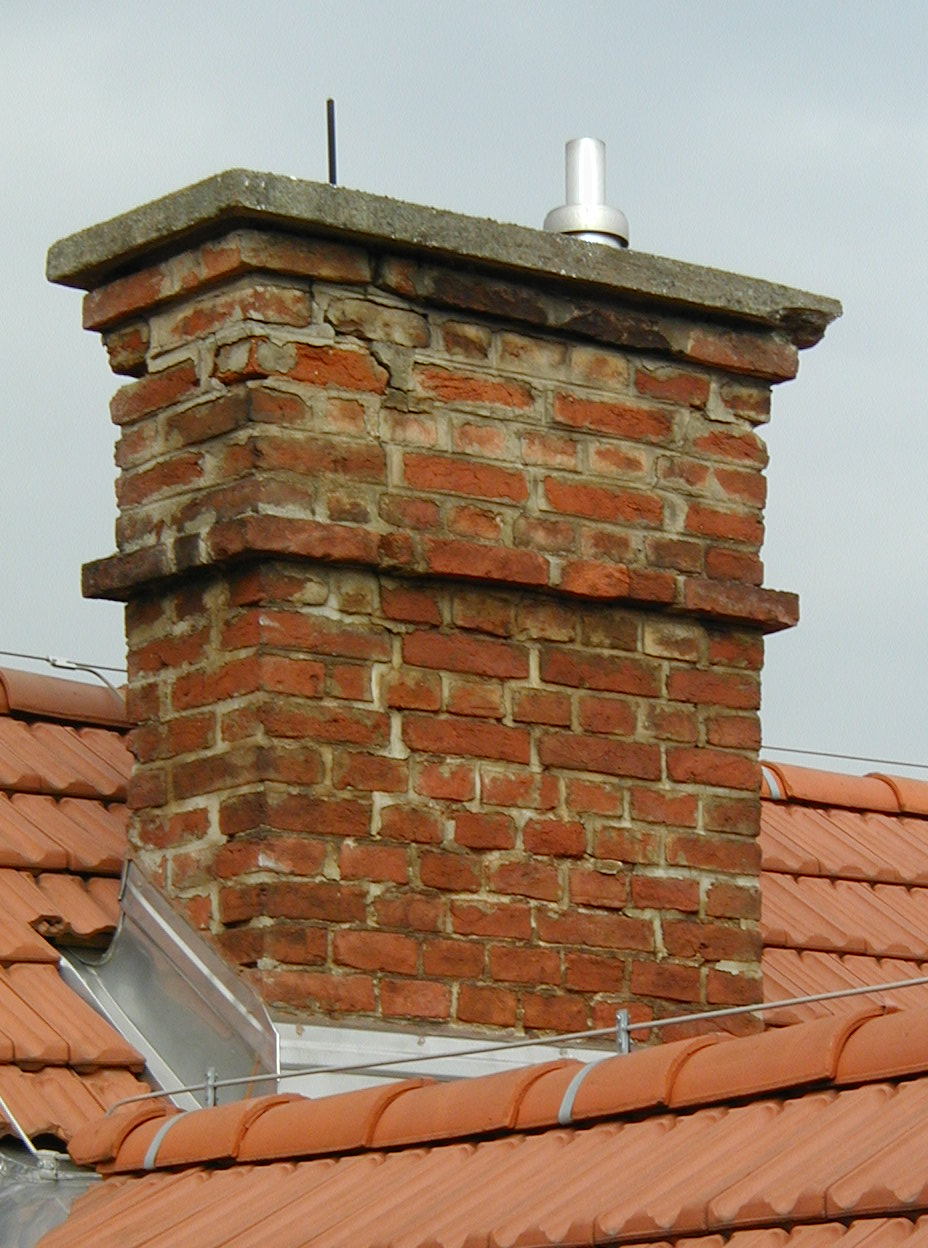 File chimney in wikimedia commons for Habillage conduit cheminee exterieur