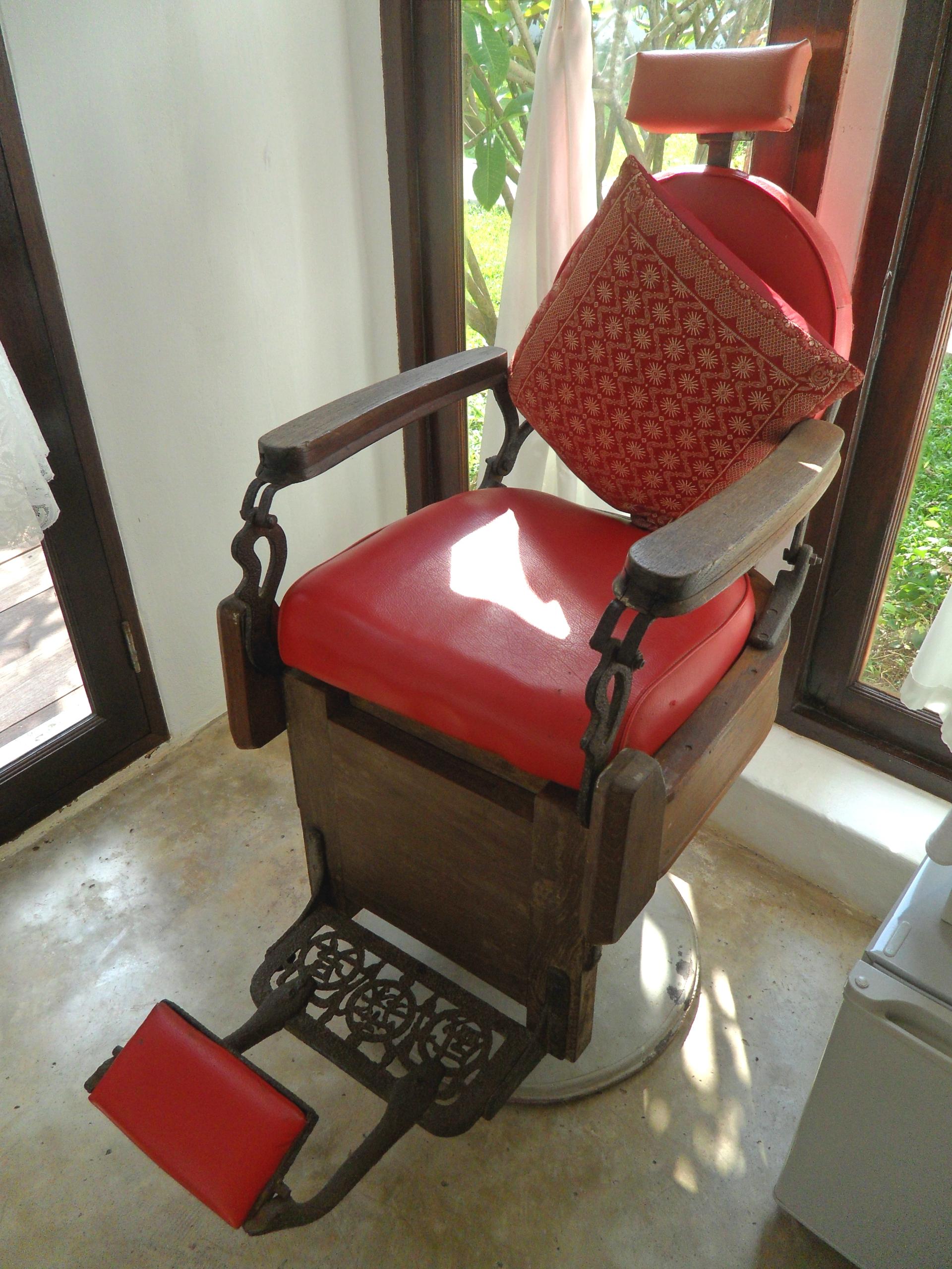 File Chinese barber chair JPG Wikimedia mons