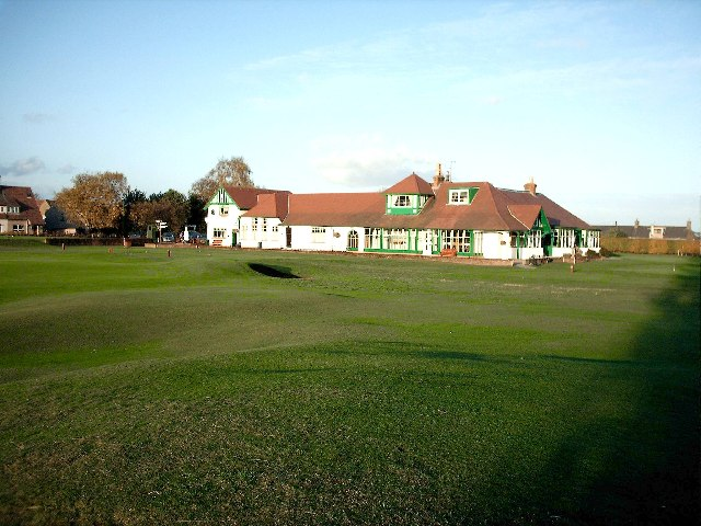Clubhouse Scotscraig Golf Club - geograph.org.uk - 72345