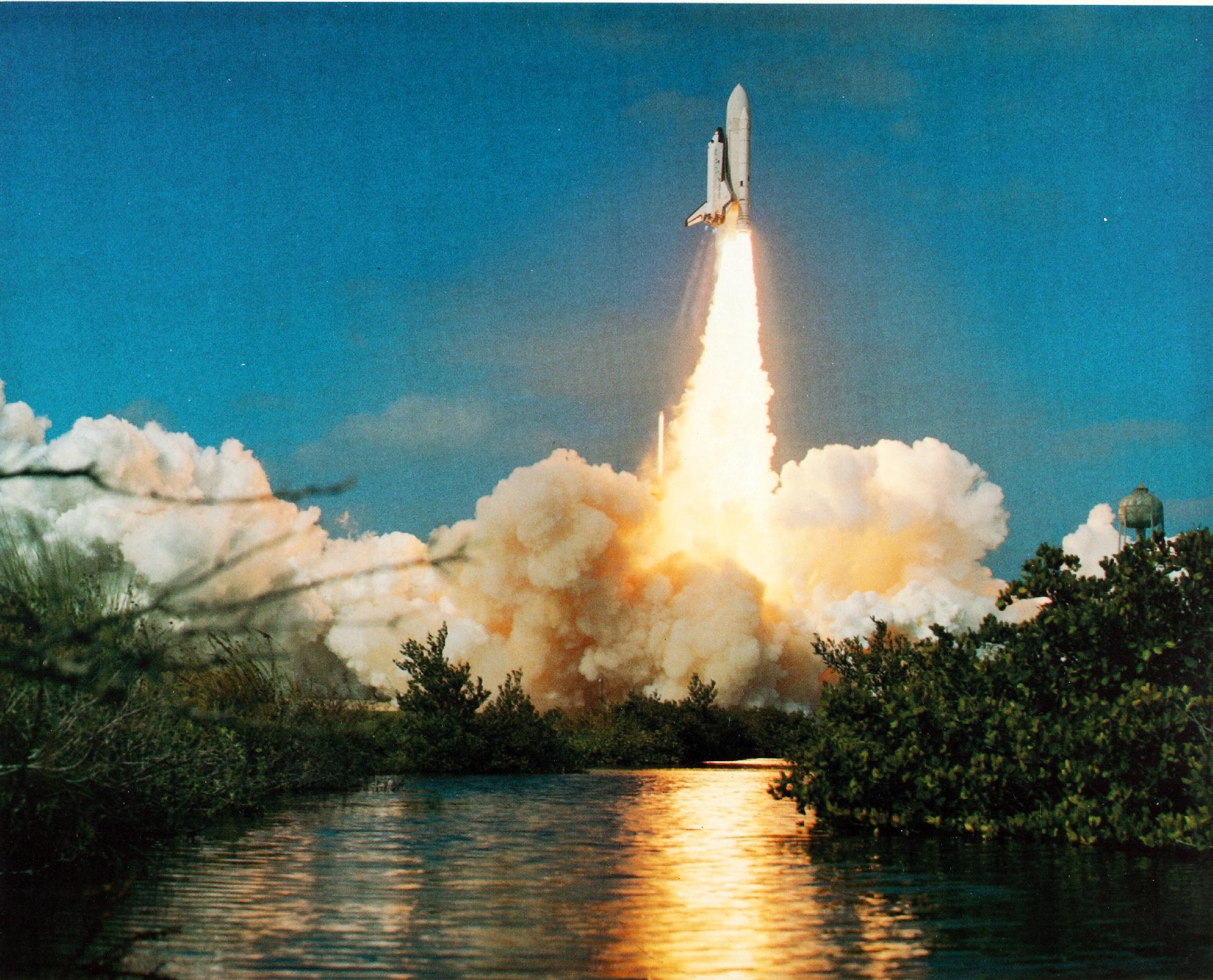 space shuttle columbia launch 1981 - photo #21