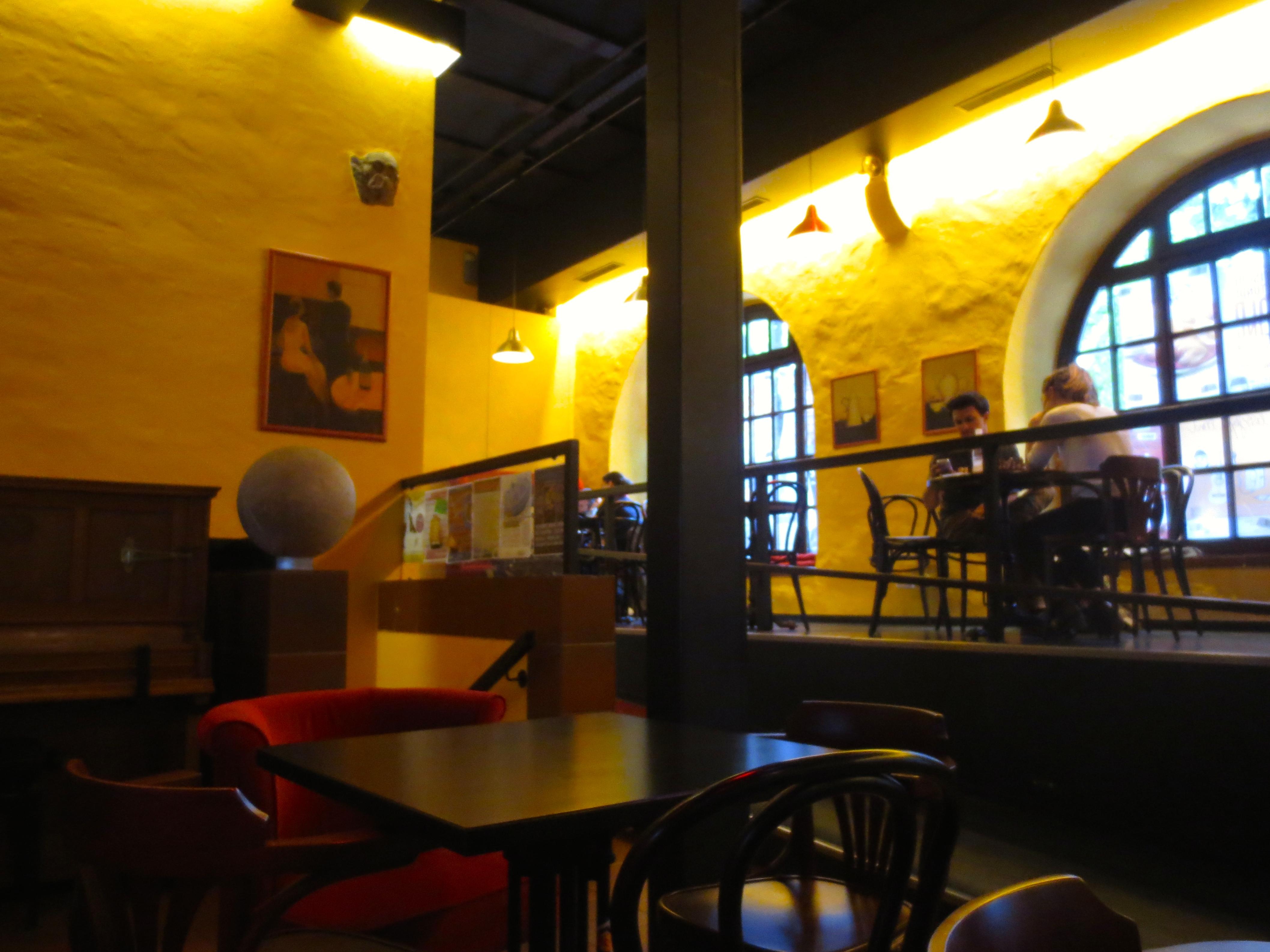 Datei das marstall cafe im stlichen seitentrakt des for Innenarchitektur heidelberg