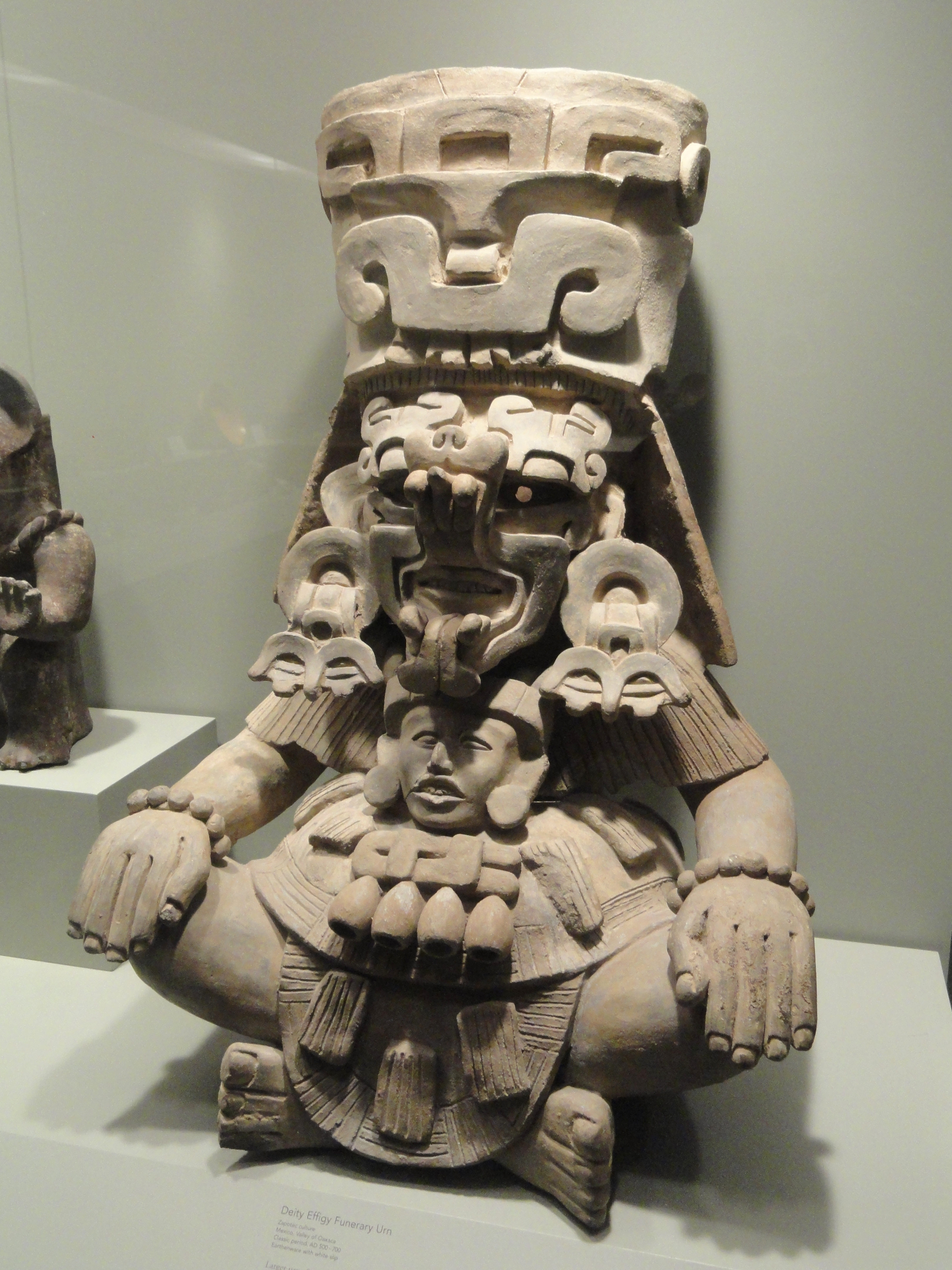 File Deity Effigy Funeral Urn 500 700 Ad Zapotec Culture Valley Of Oaxaca Mexico