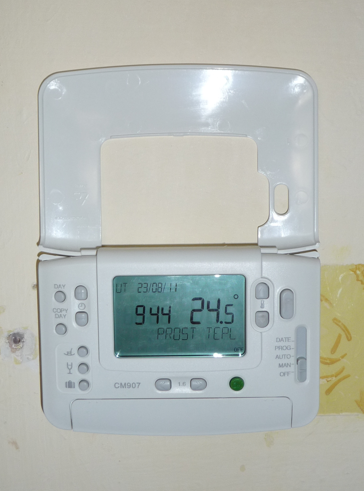 Digital Thermostat Unit That Can Adjust Temperature Control By Room