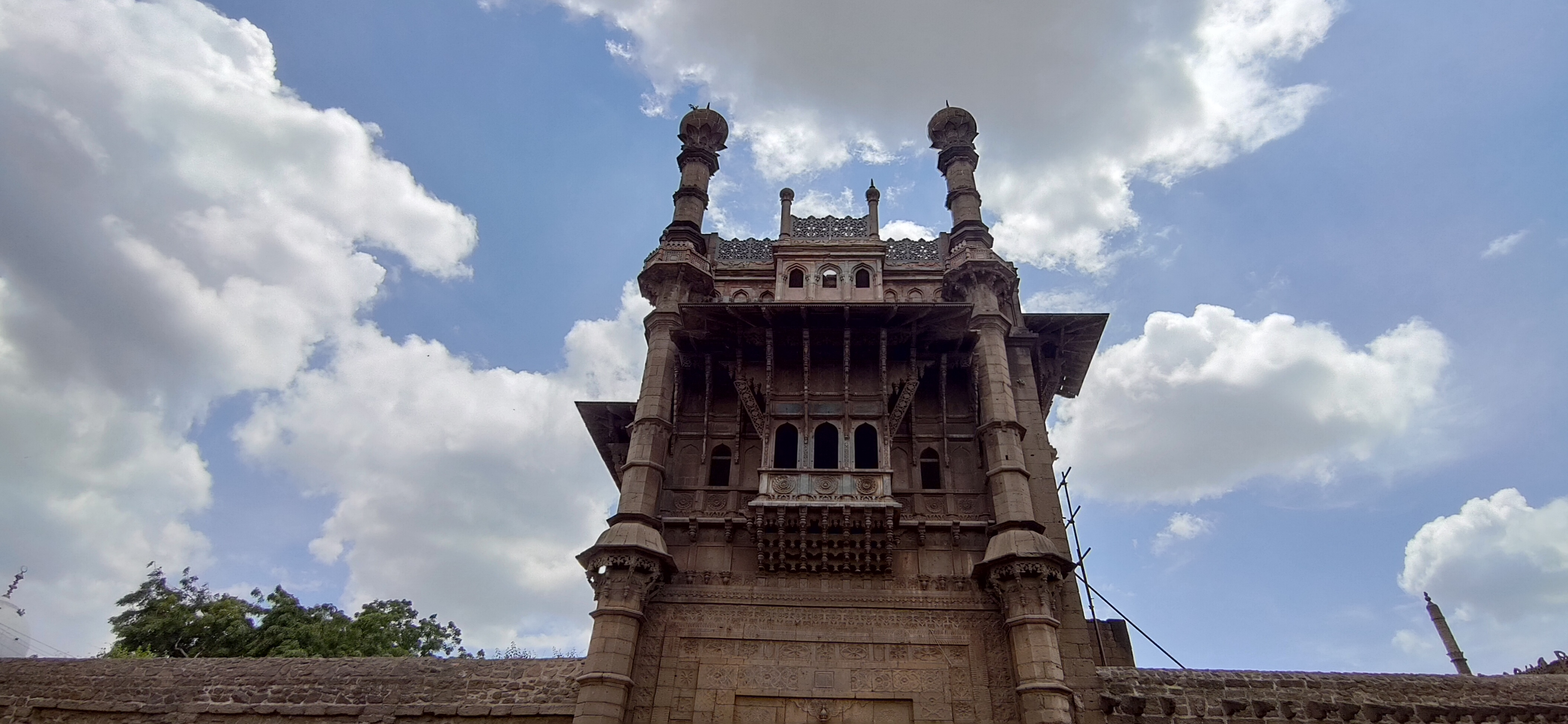 Mehtar Mahal, Places to visit in Bijapur